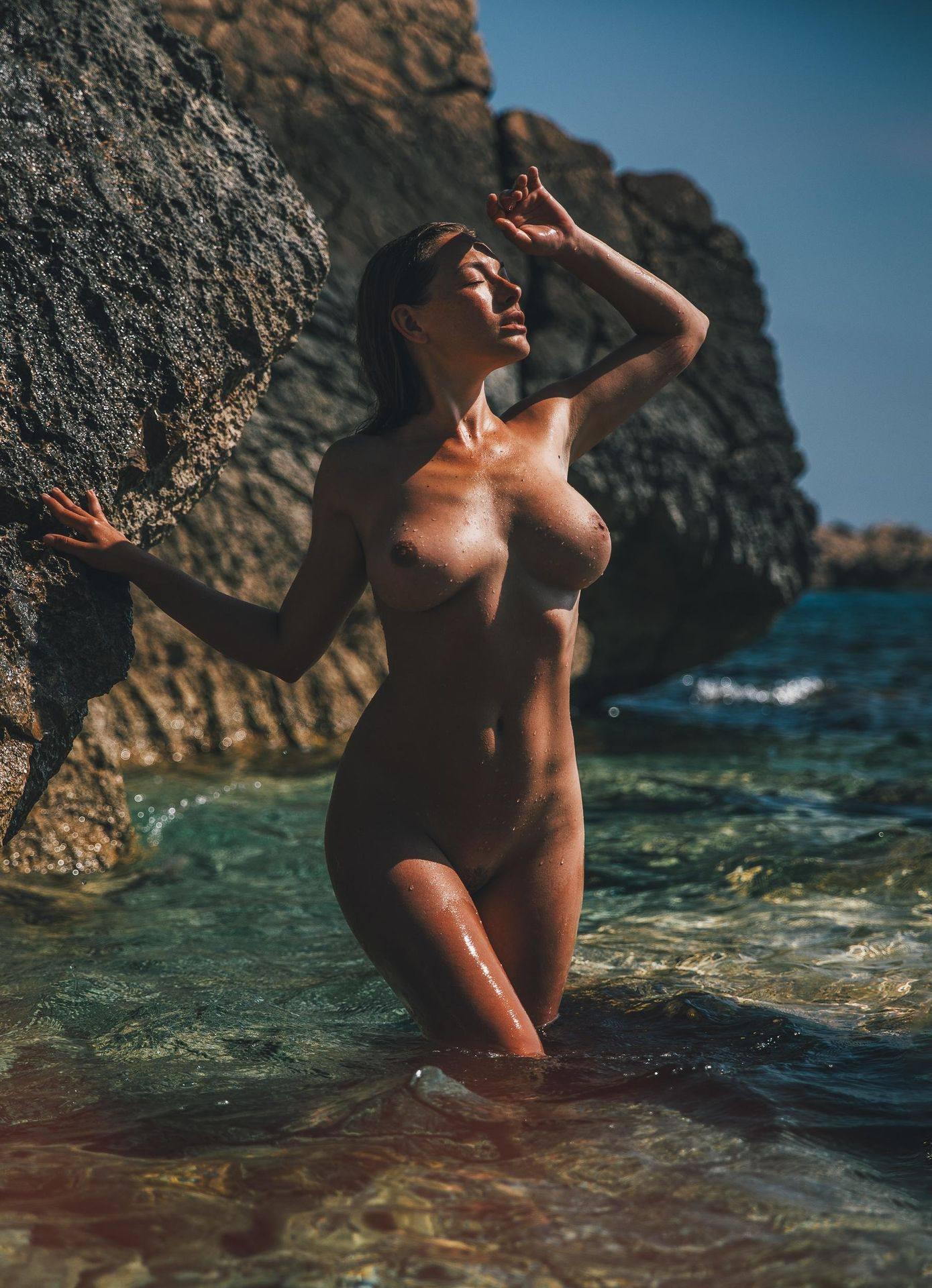 Olga Kobzar – Hot Big Boobs In Sexy Full Frontal Nude Photoshoot By Thomas Agatz (nsfw) 0019