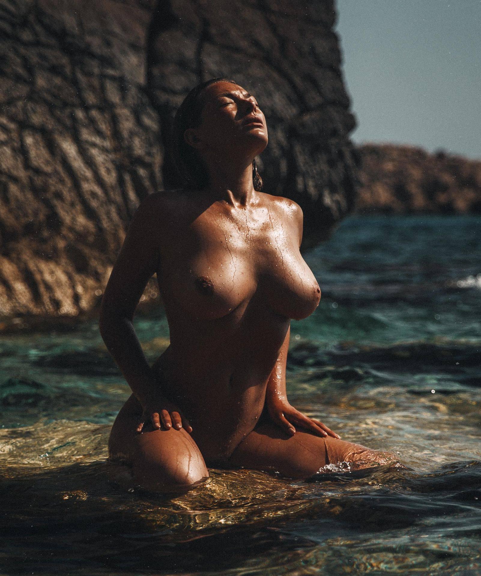 Olga Kobzar – Hot Big Boobs In Sexy Full Frontal Nude Photoshoot By Thomas Agatz (nsfw) 0021
