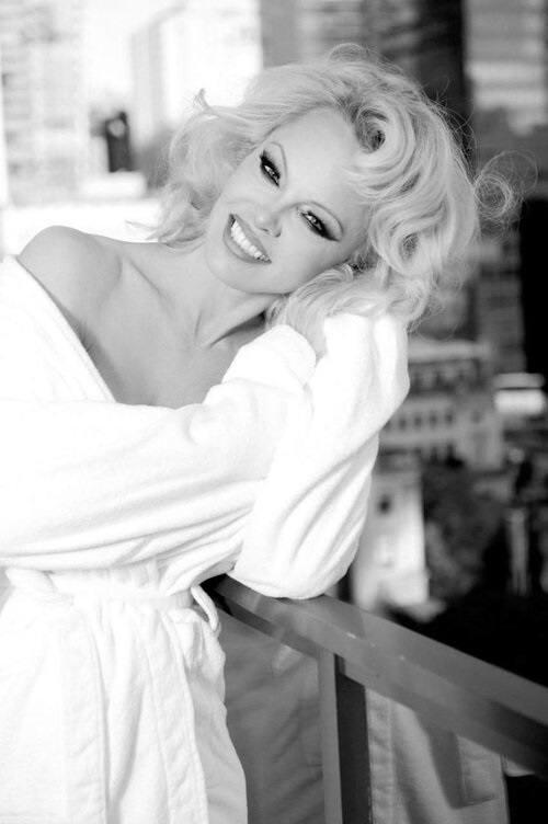 Pamela Anderson – Hot Big Boobs In Naked Photoshoot By Gordan Dumka (nsfw) 0003