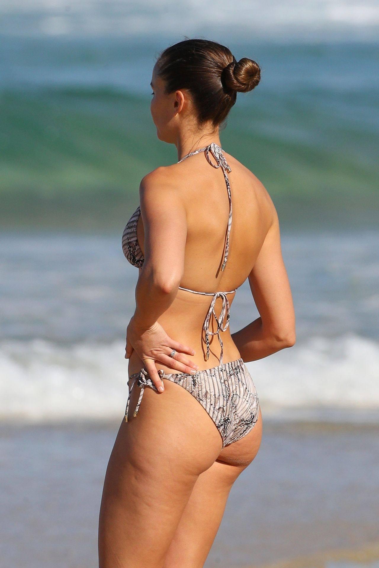 Rachael Finch – Hot Body In Sexy Bikini At The Bondi Beach In Sydney 0005
