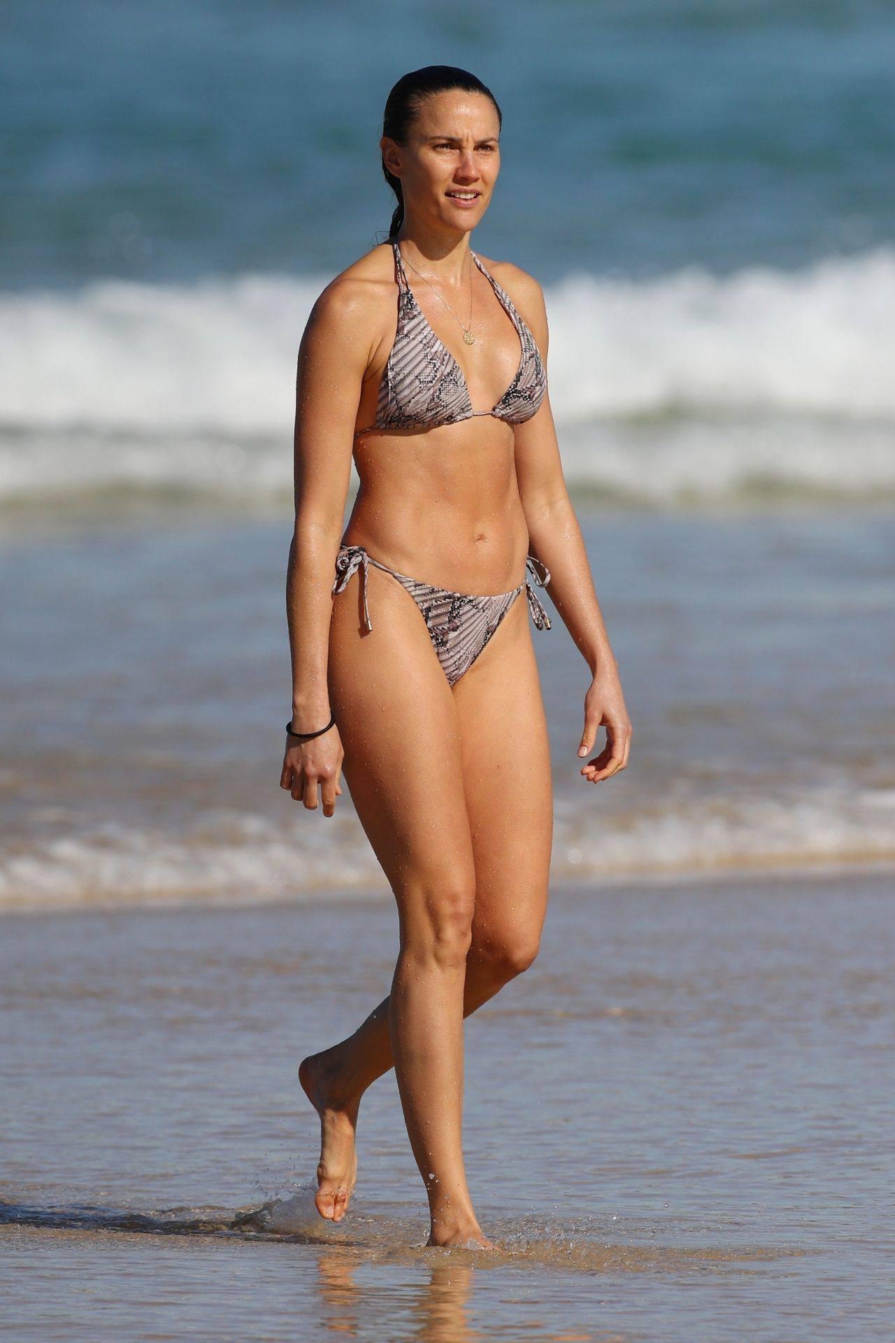 Rachael Finch – Hot Body In Sexy Bikini At The Bondi Beach In Sydney 0011