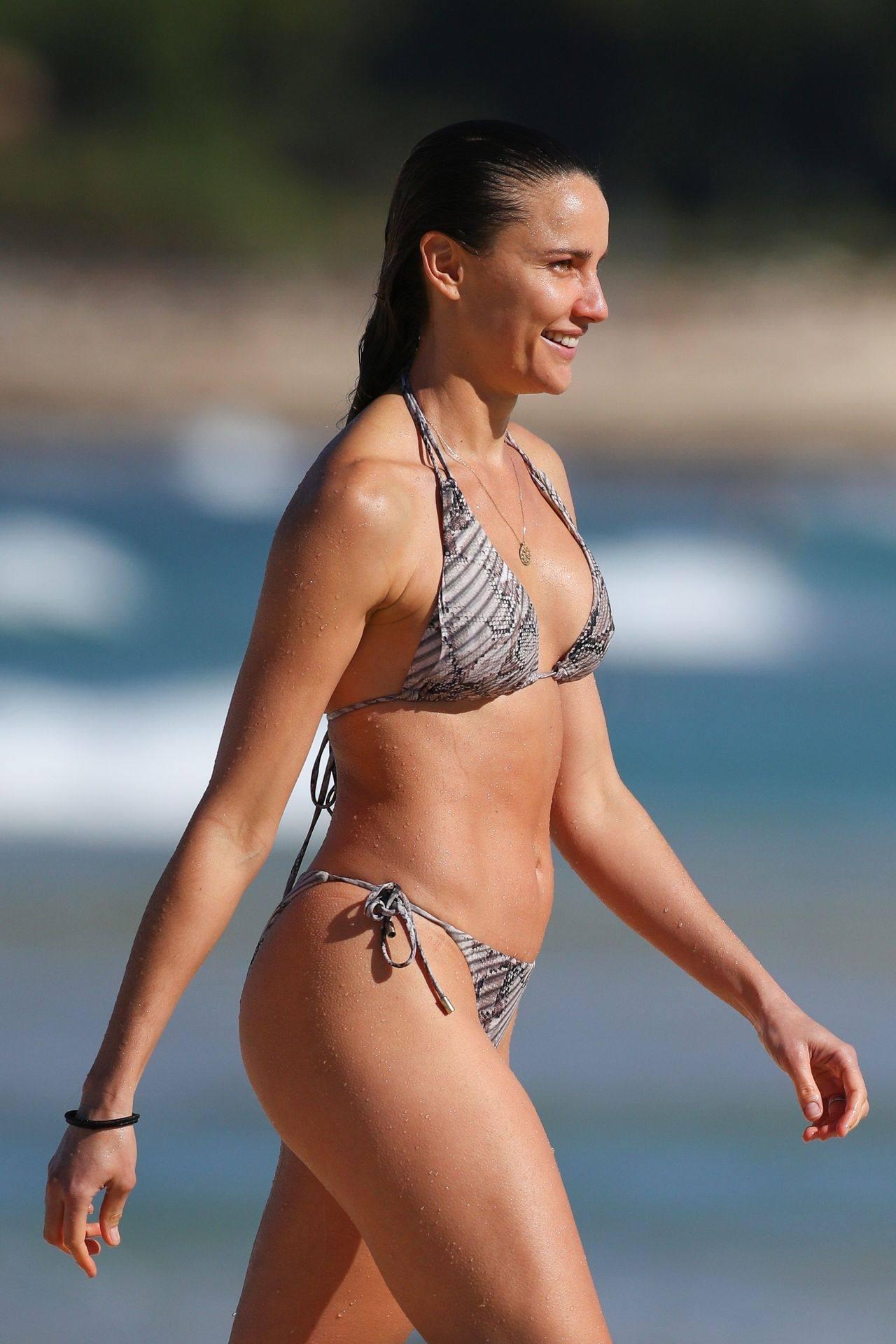 Rachael Finch – Hot Body In Sexy Bikini At The Bondi Beach In Sydney 0014