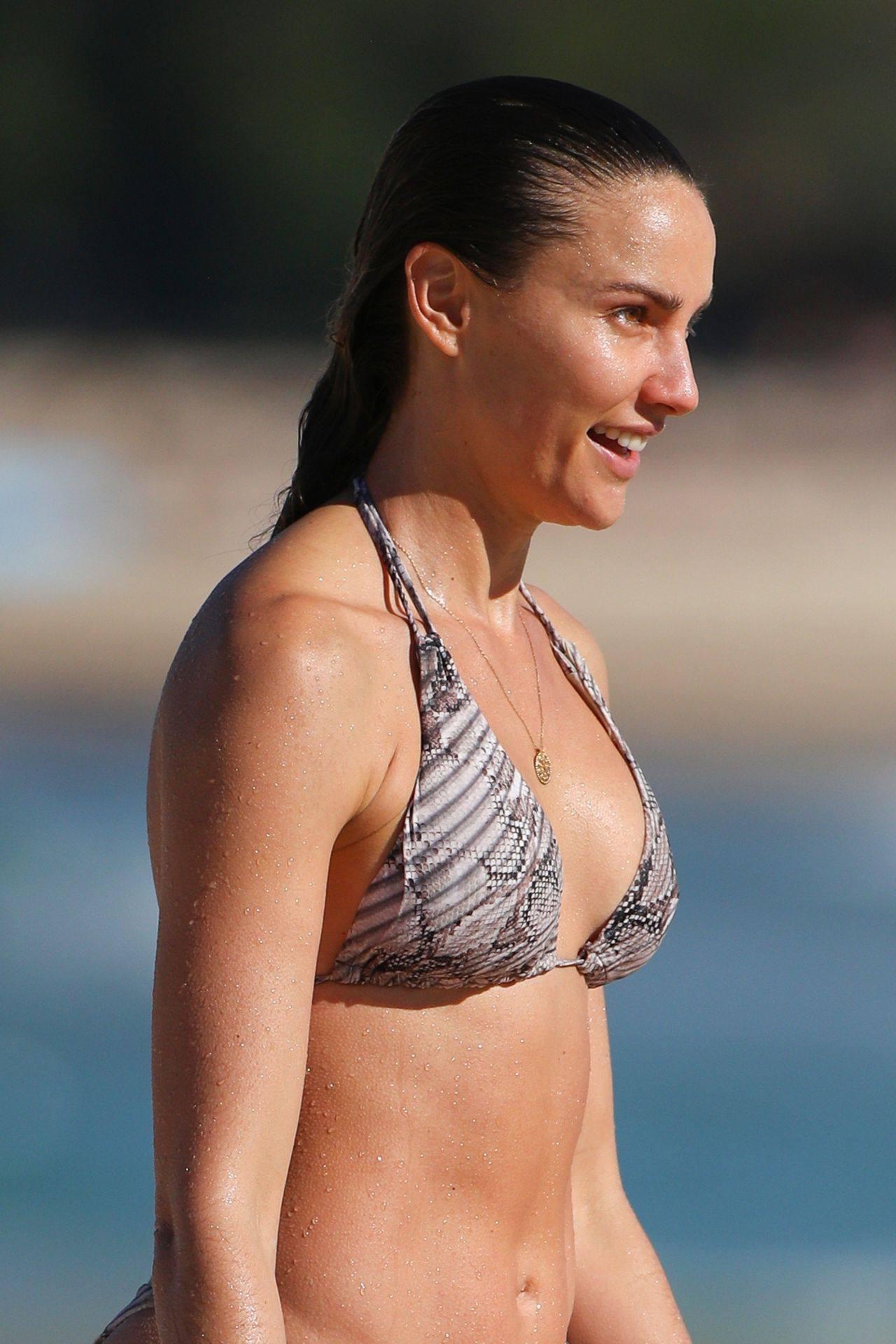 Rachael Finch – Hot Body In Sexy Bikini At The Bondi Beach In Sydney 0015