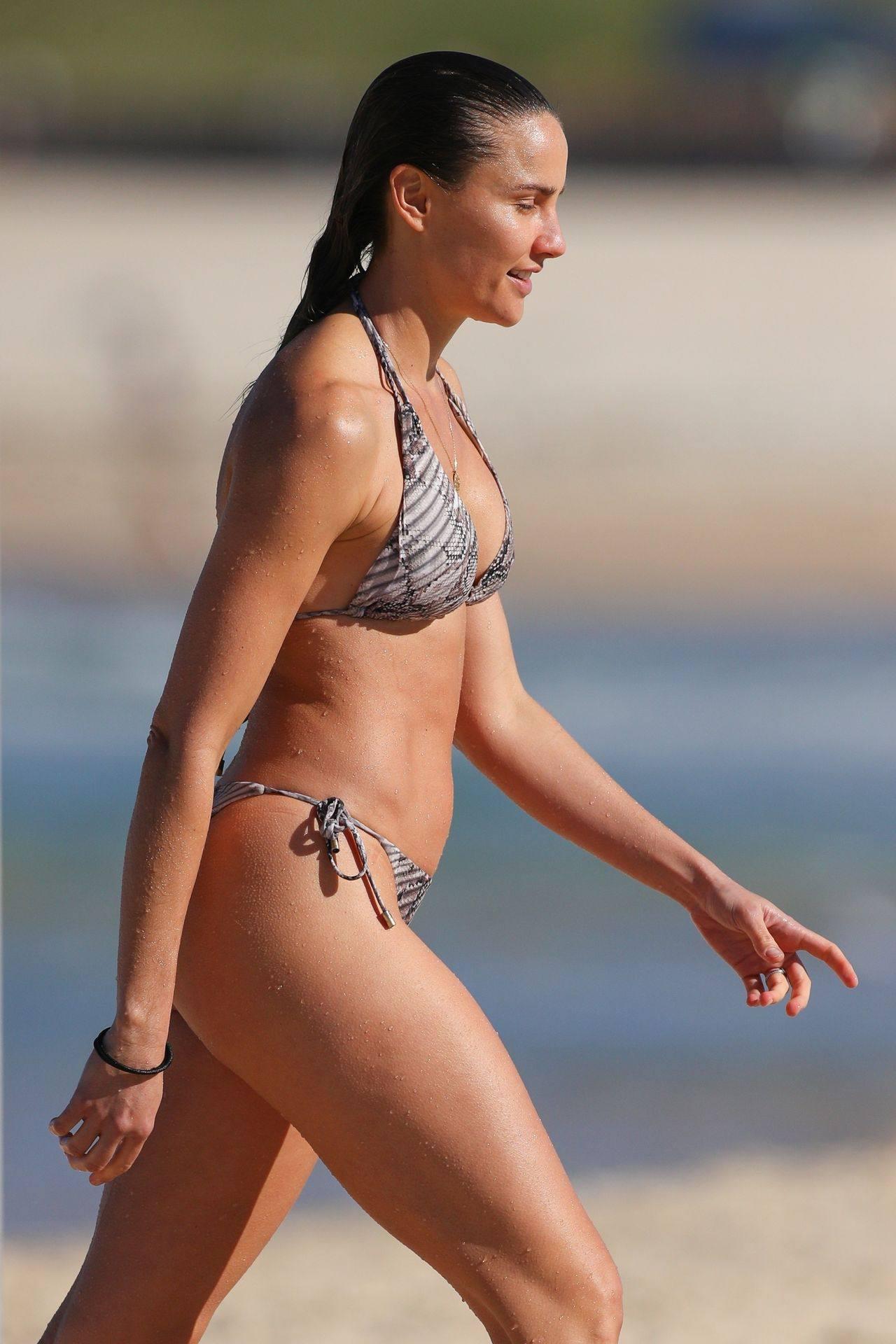 Rachael Finch – Hot Body In Sexy Bikini At The Bondi Beach In Sydney 0018