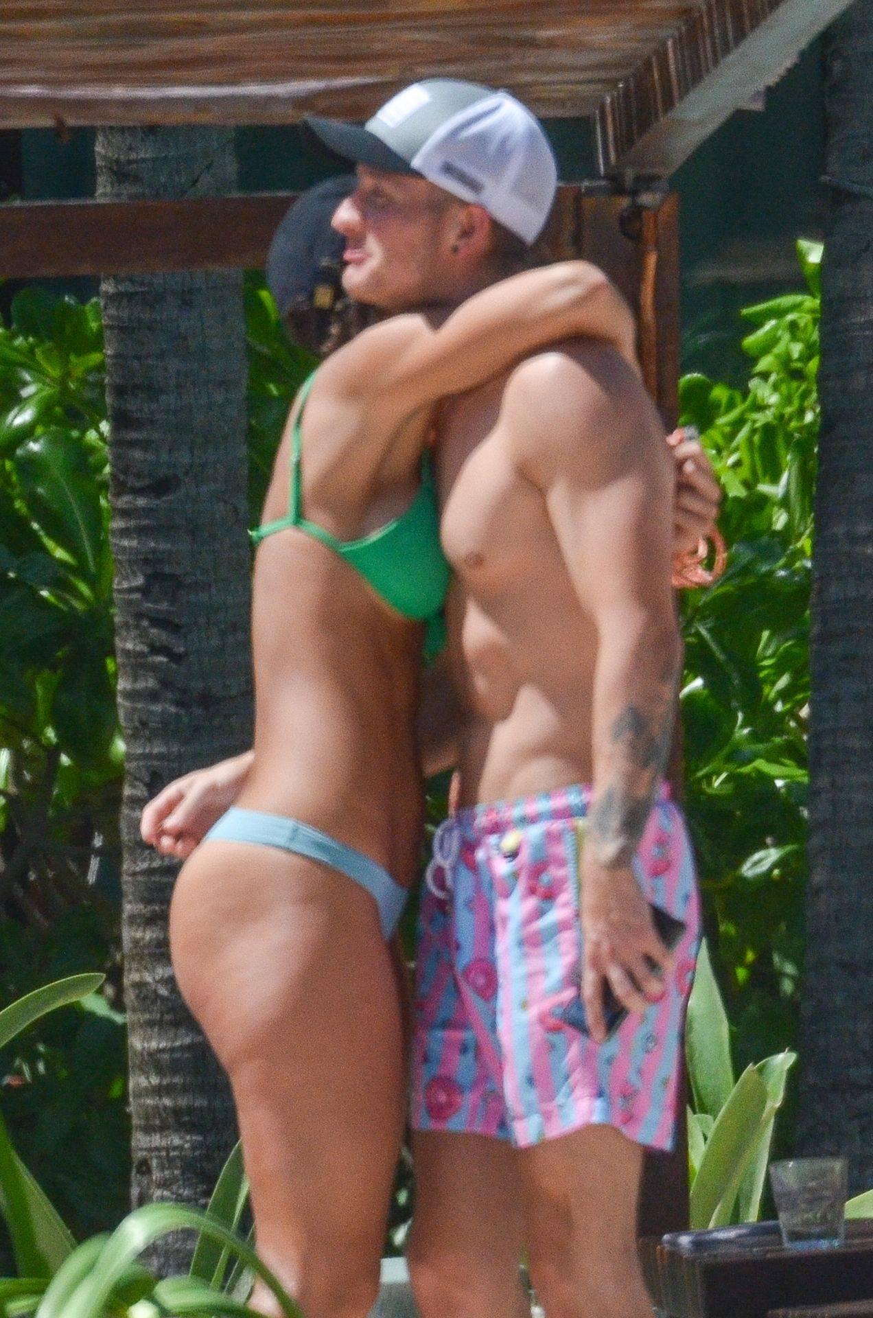 Rachel Cook – Beautiful Ass In Thong Bikini In Mexico 0015