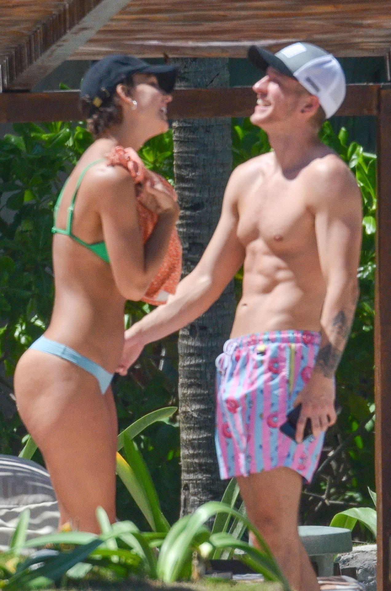 Rachel Cook – Beautiful Ass In Thong Bikini In Mexico 0019