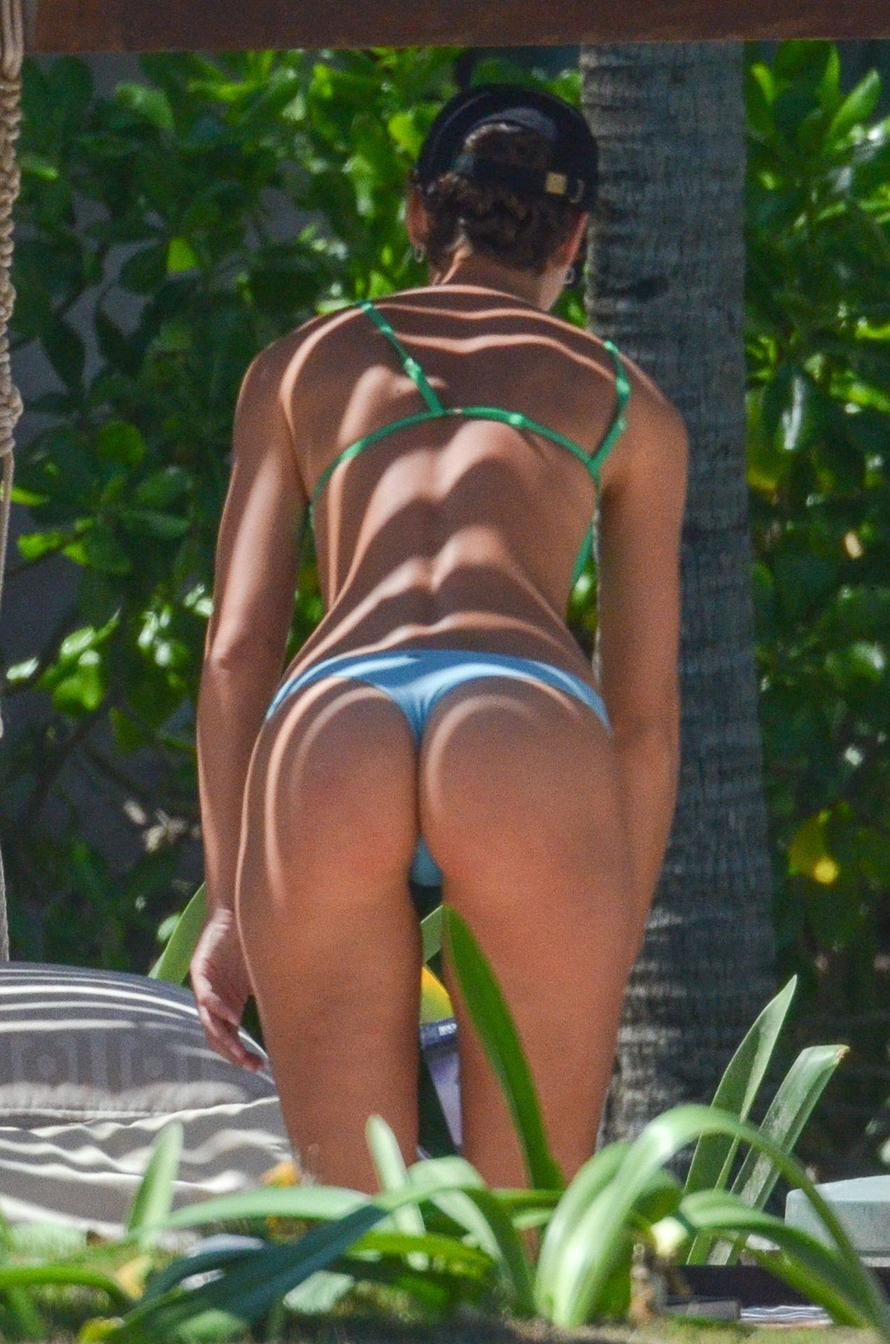 Rachel Cook – Beautiful Ass In Thong Bikini In Mexico 0023