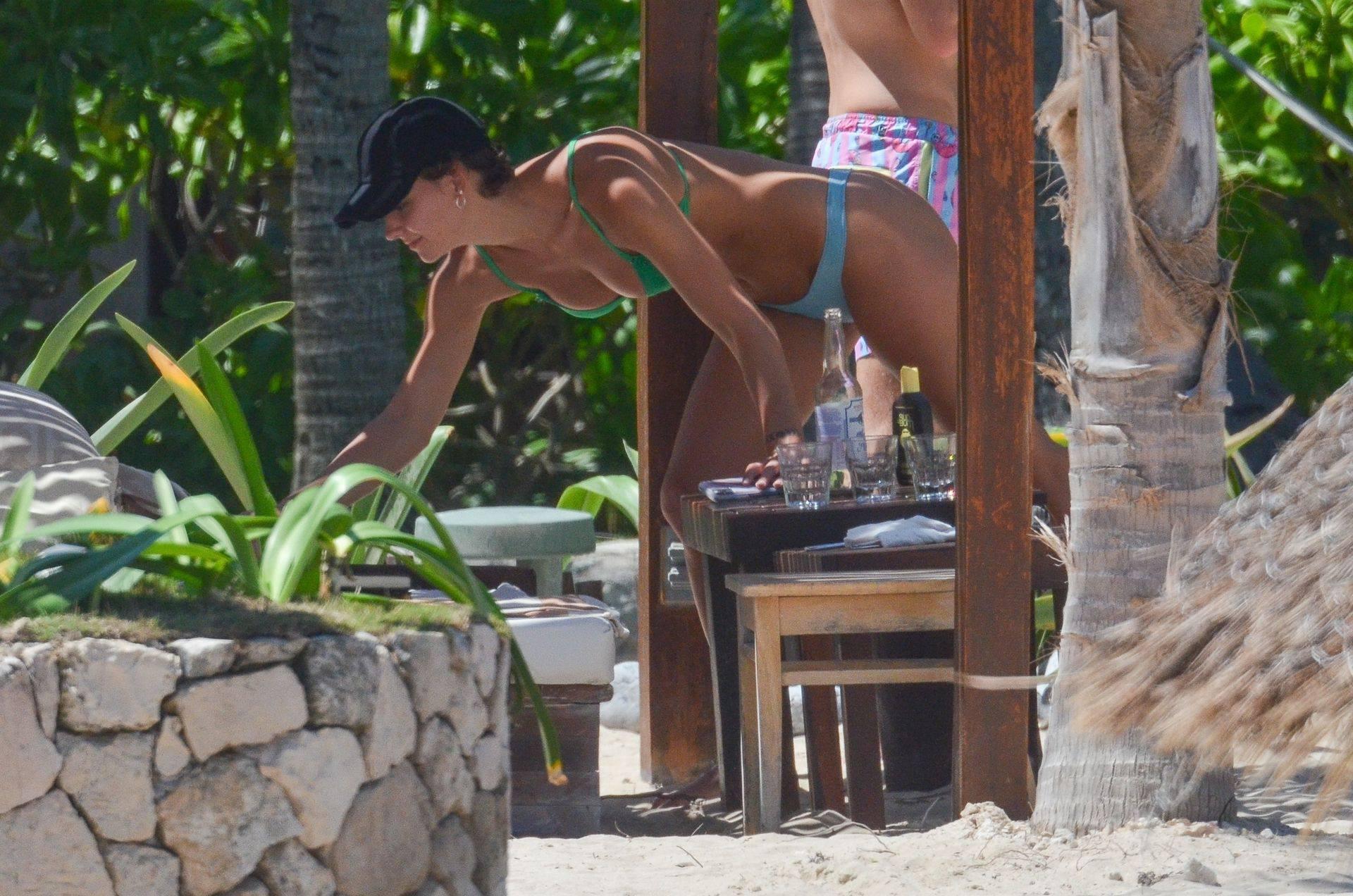 Rachel Cook – Beautiful Ass In Thong Bikini In Mexico 0024