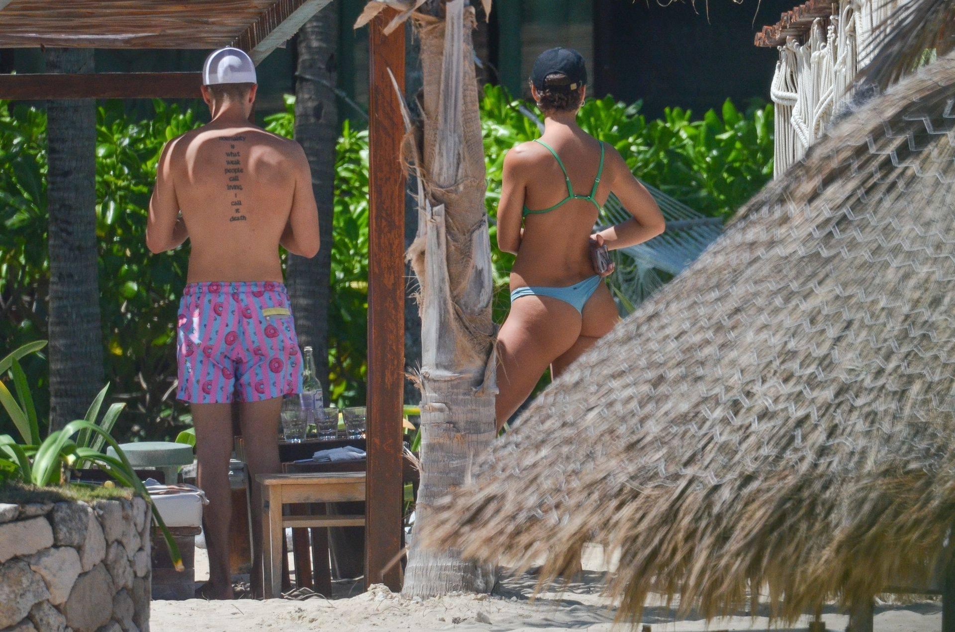 Rachel Cook – Beautiful Ass In Thong Bikini In Mexico 0025