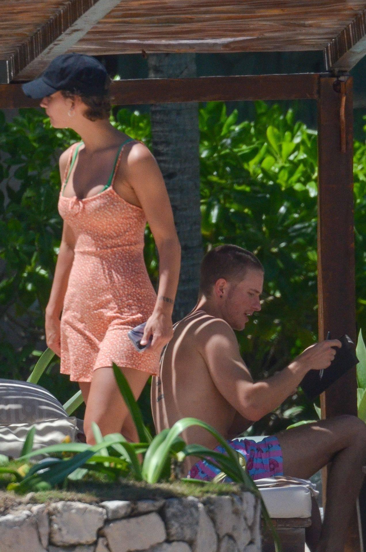 Rachel Cook – Beautiful Ass In Thong Bikini In Mexico 0032