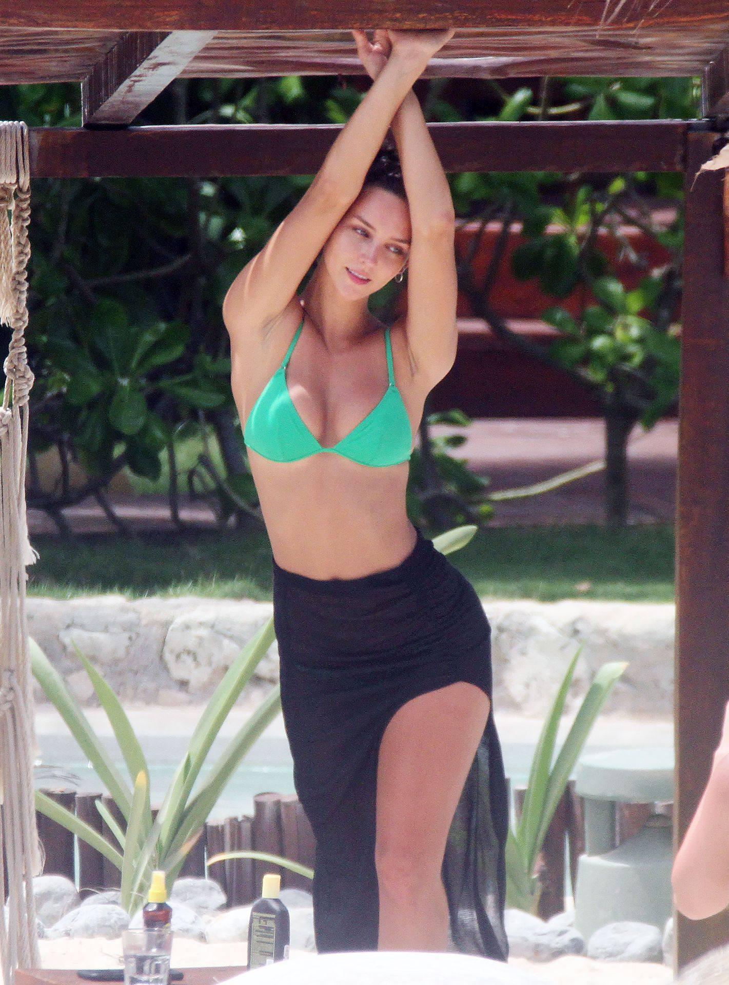 Rachel Cook – Sexy Ass And Boobs In Small Bikini In Tulum 0011