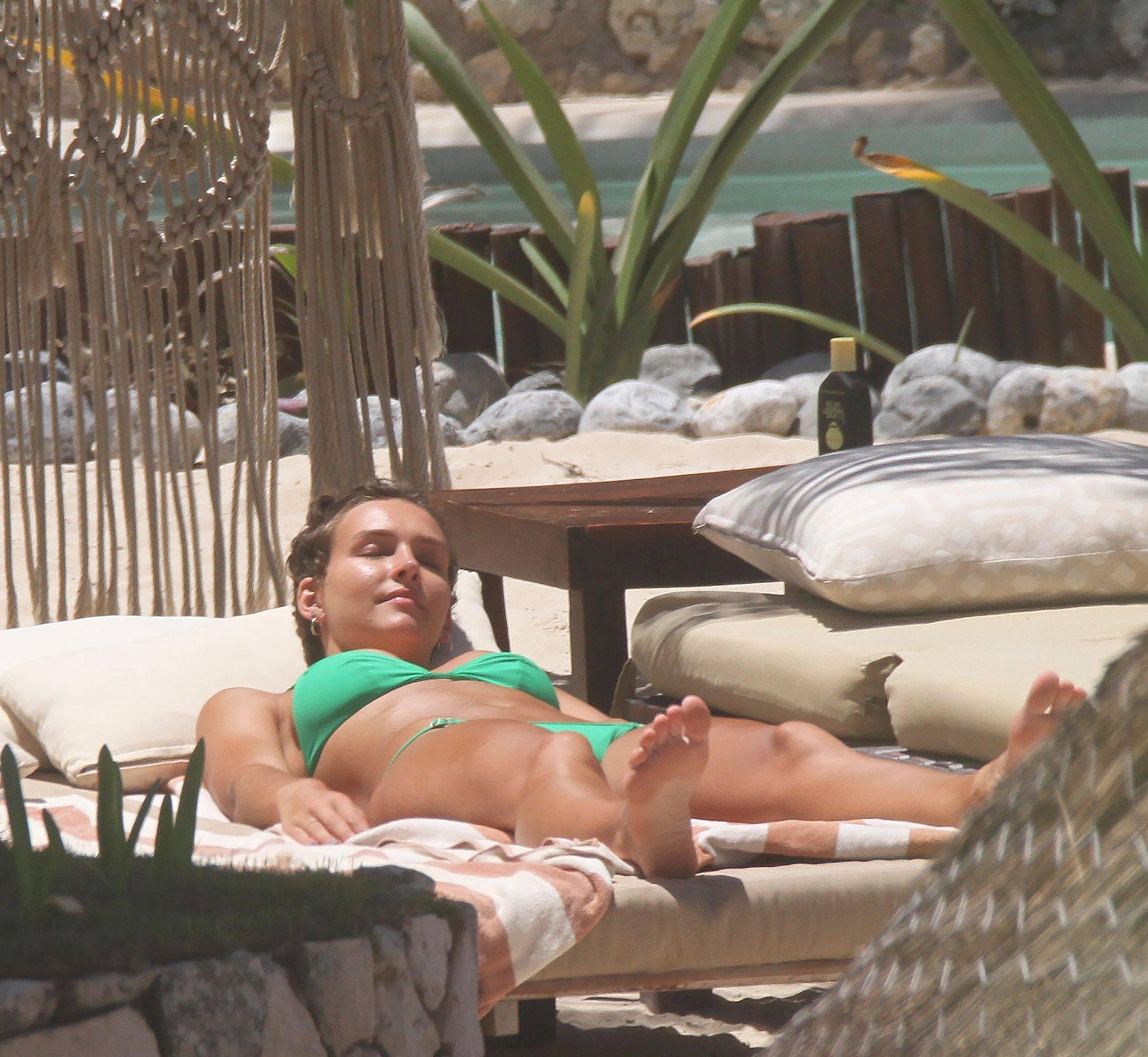 Rachel Cook – Sexy Ass And Boobs In Small Bikini In Tulum 0019