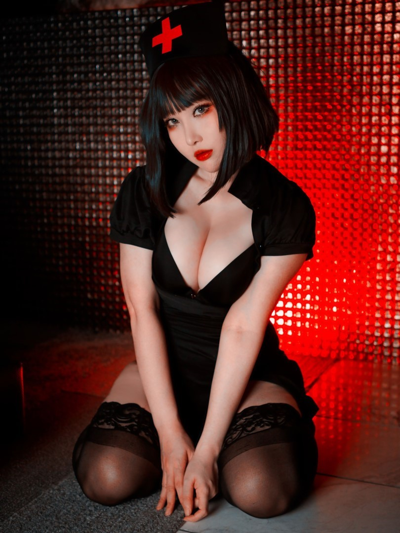 Rinnie Riot Dark Nurse 22
