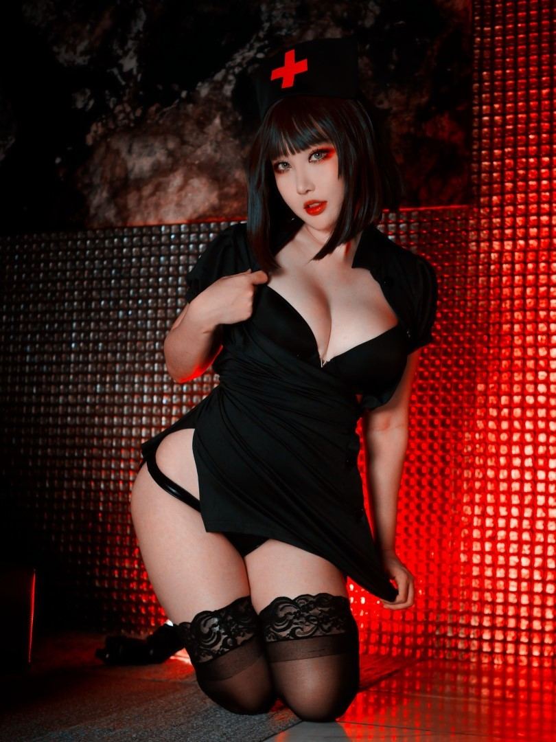 Rinnie Riot Dark Nurse 26