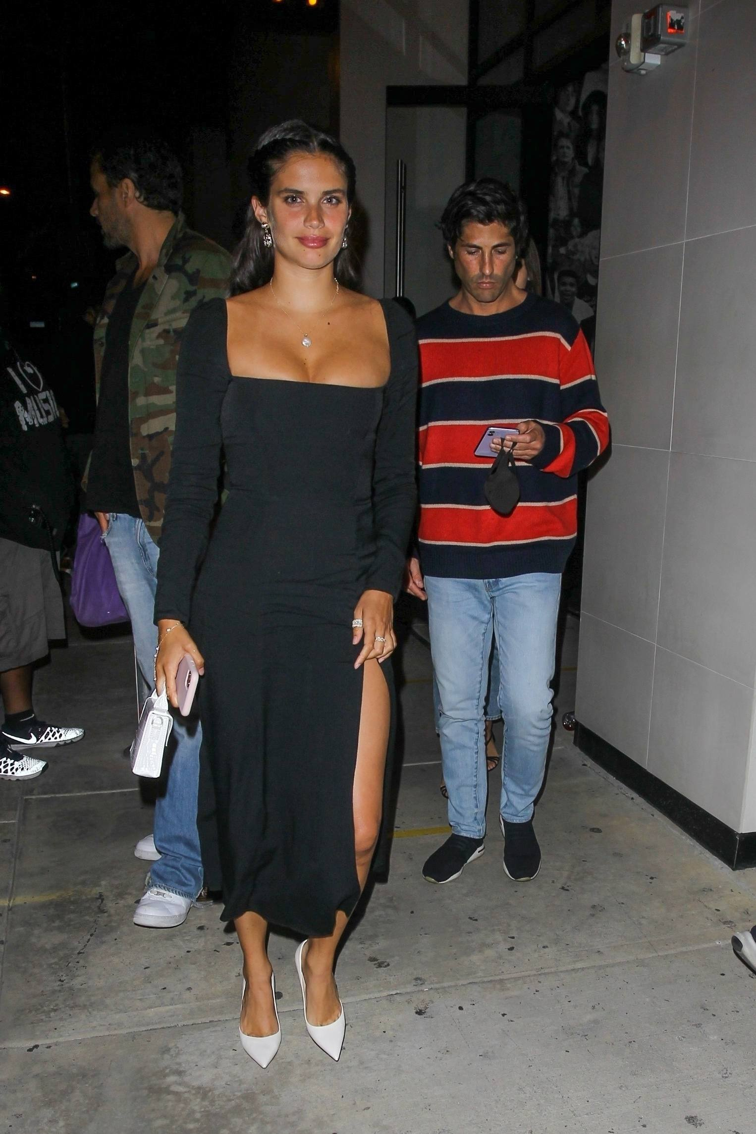 Sara Sampaio – Beautiful In Sexy Black Dress At Catch Restaurant In West Hollywood 0006