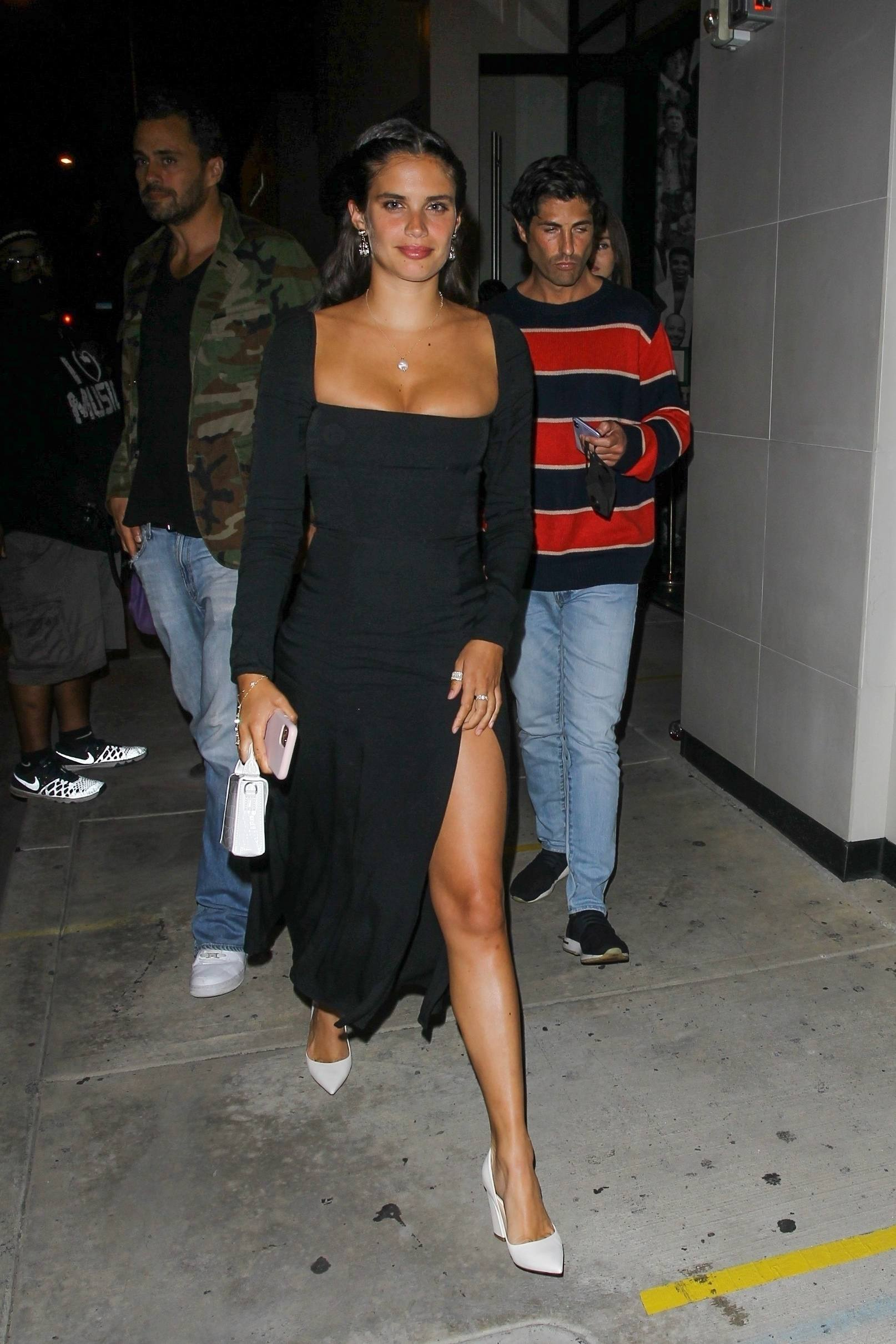 Sara Sampaio – Beautiful In Sexy Black Dress At Catch Restaurant In West Hollywood 0007