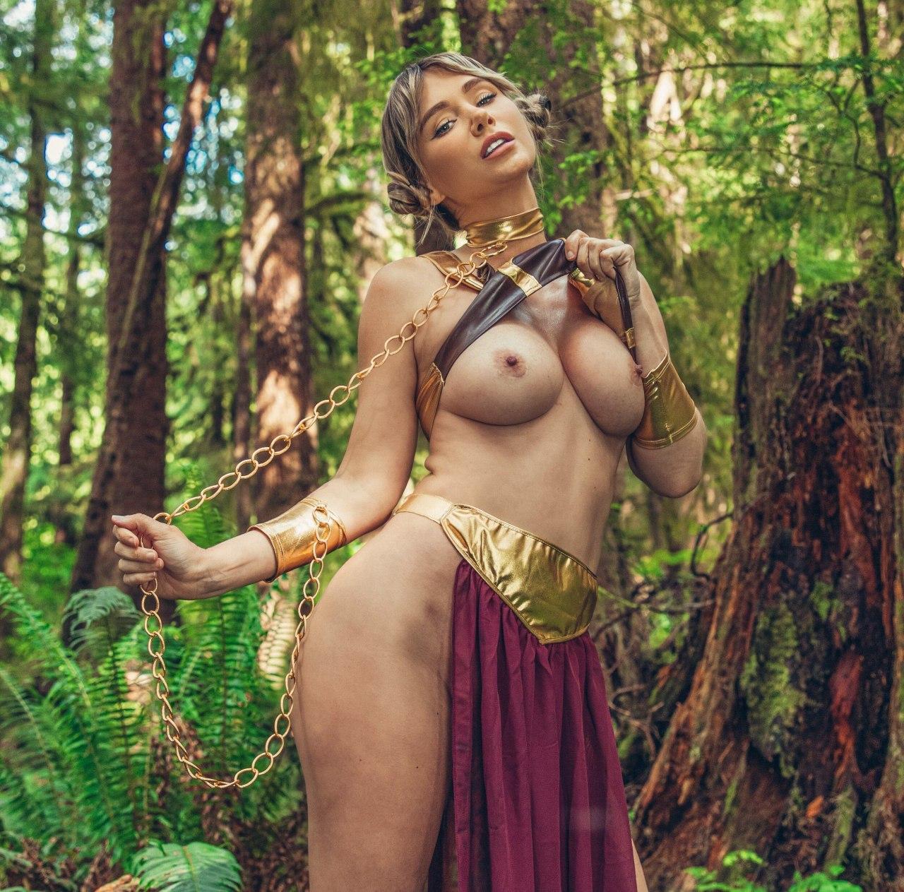 Sara Underwood Princess Leia 4