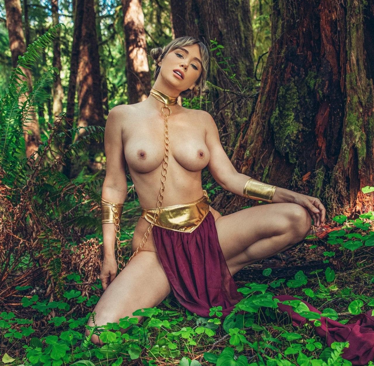 Sara Underwood Princess Leia 6