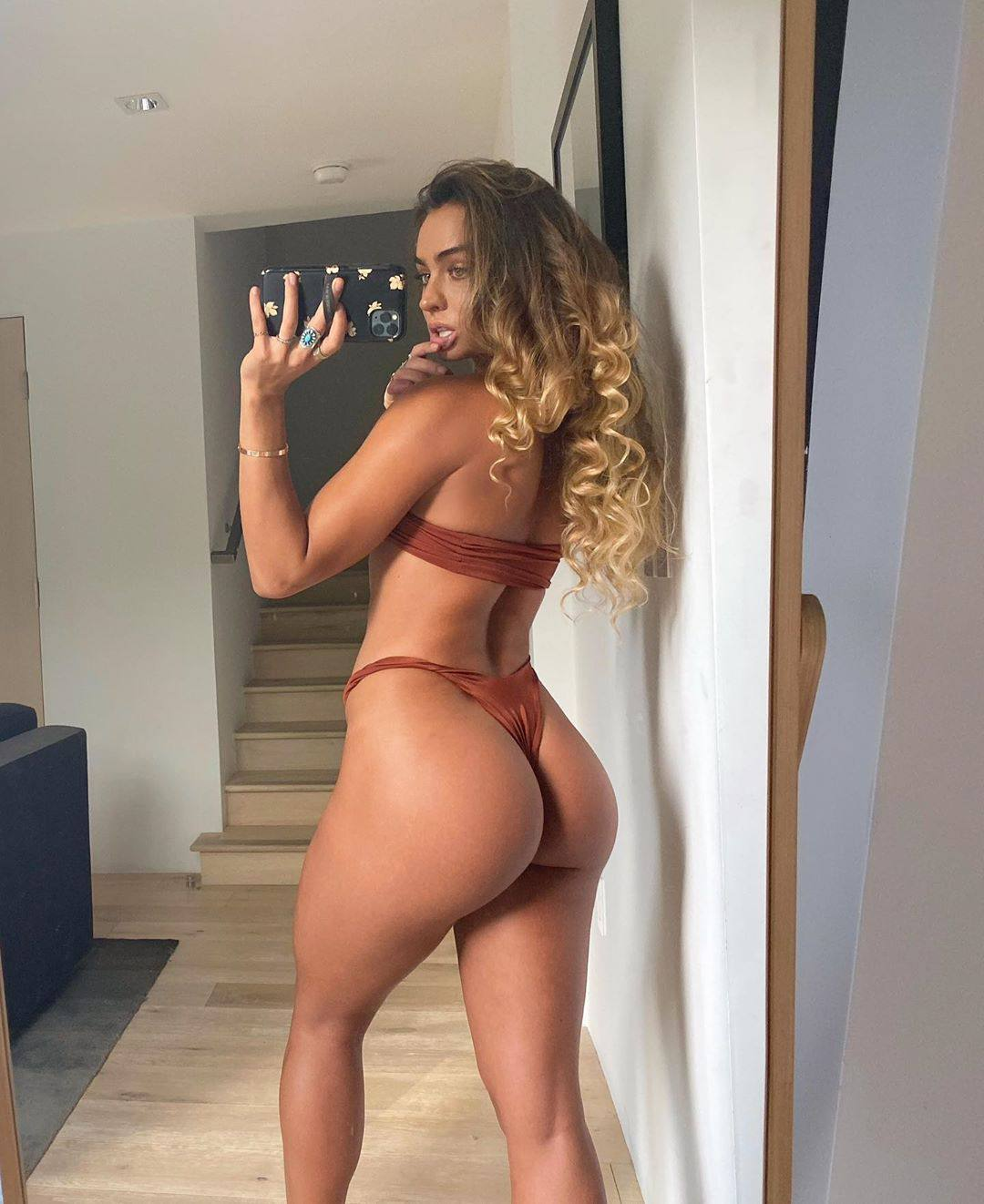 Sommer Ray – Beautiful Body And Great Ass In Sexy Selfies 0001