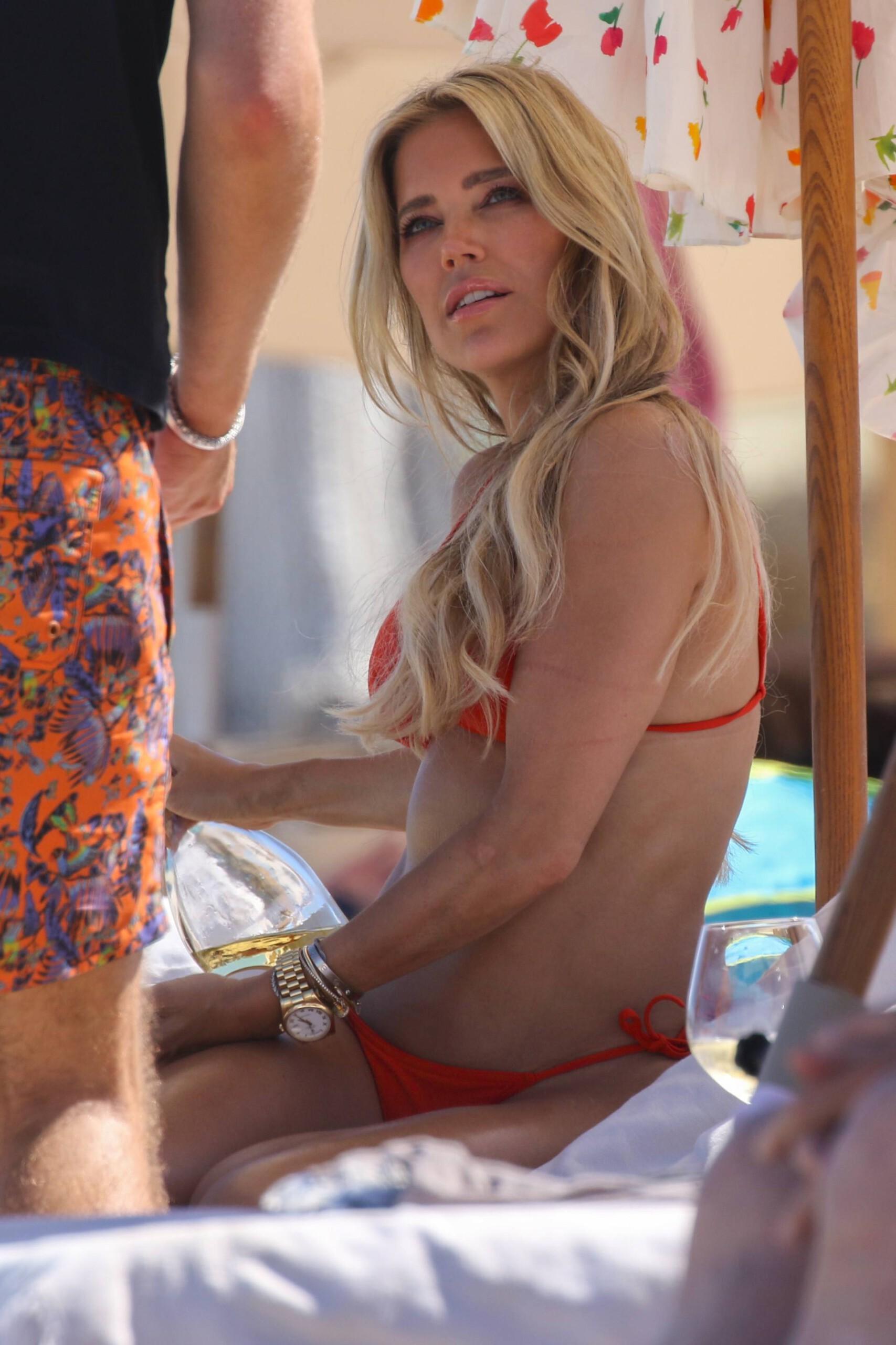 Sylvie Meis – Beautiful Body In Sexy Bikini On The Beach In Saint Tropez 0002
