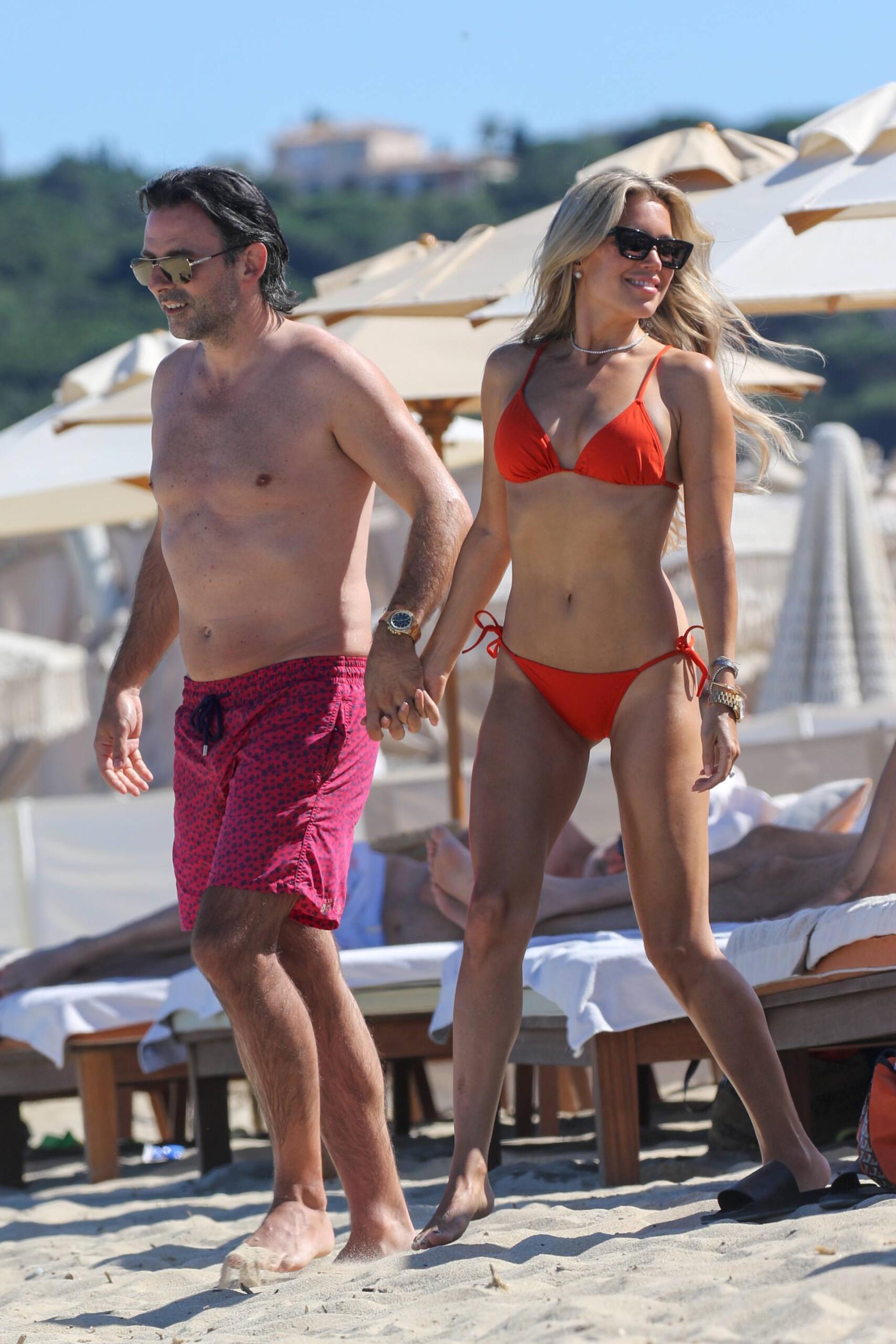 Sylvie Meis – Beautiful Body In Sexy Bikini On The Beach In Saint Tropez 0004