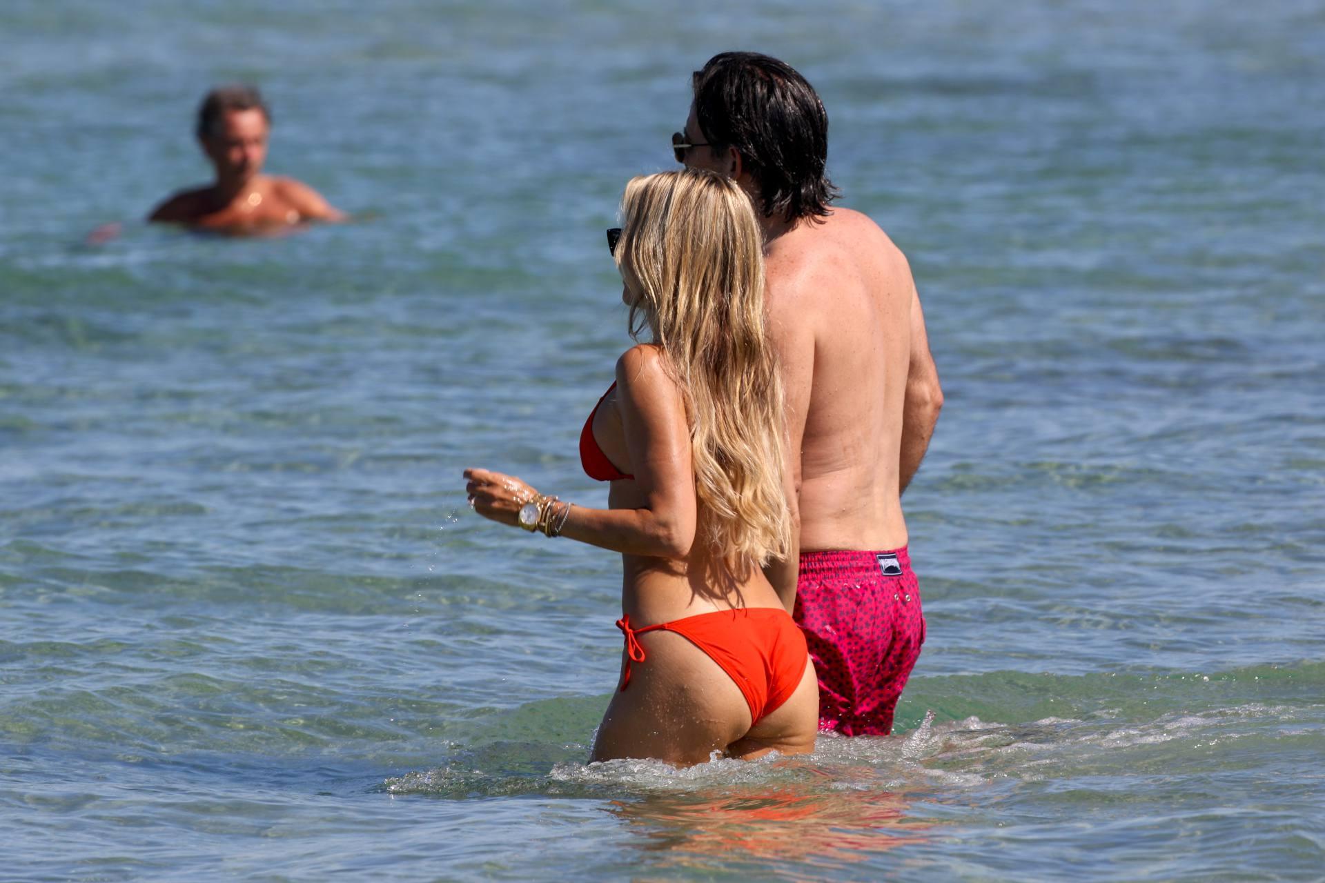 Sylvie Meis – Beautiful Body In Sexy Bikini On The Beach In Saint Tropez 0006
