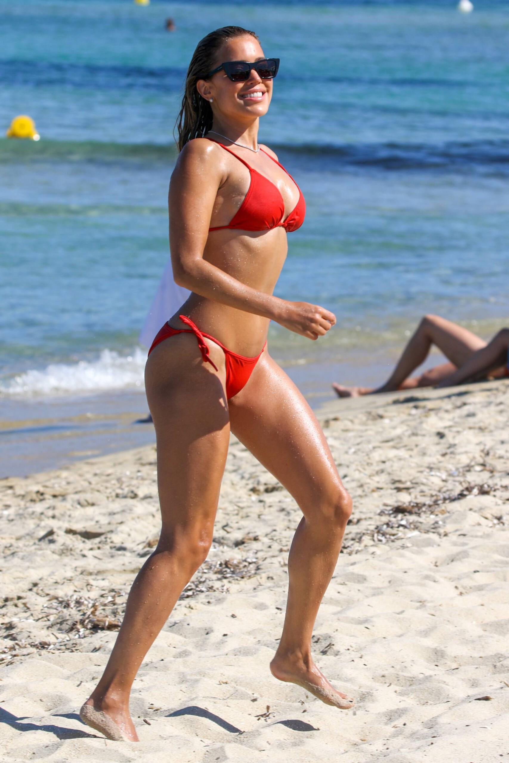 Sylvie Meis – Beautiful Body In Sexy Bikini On The Beach In Saint Tropez 0019