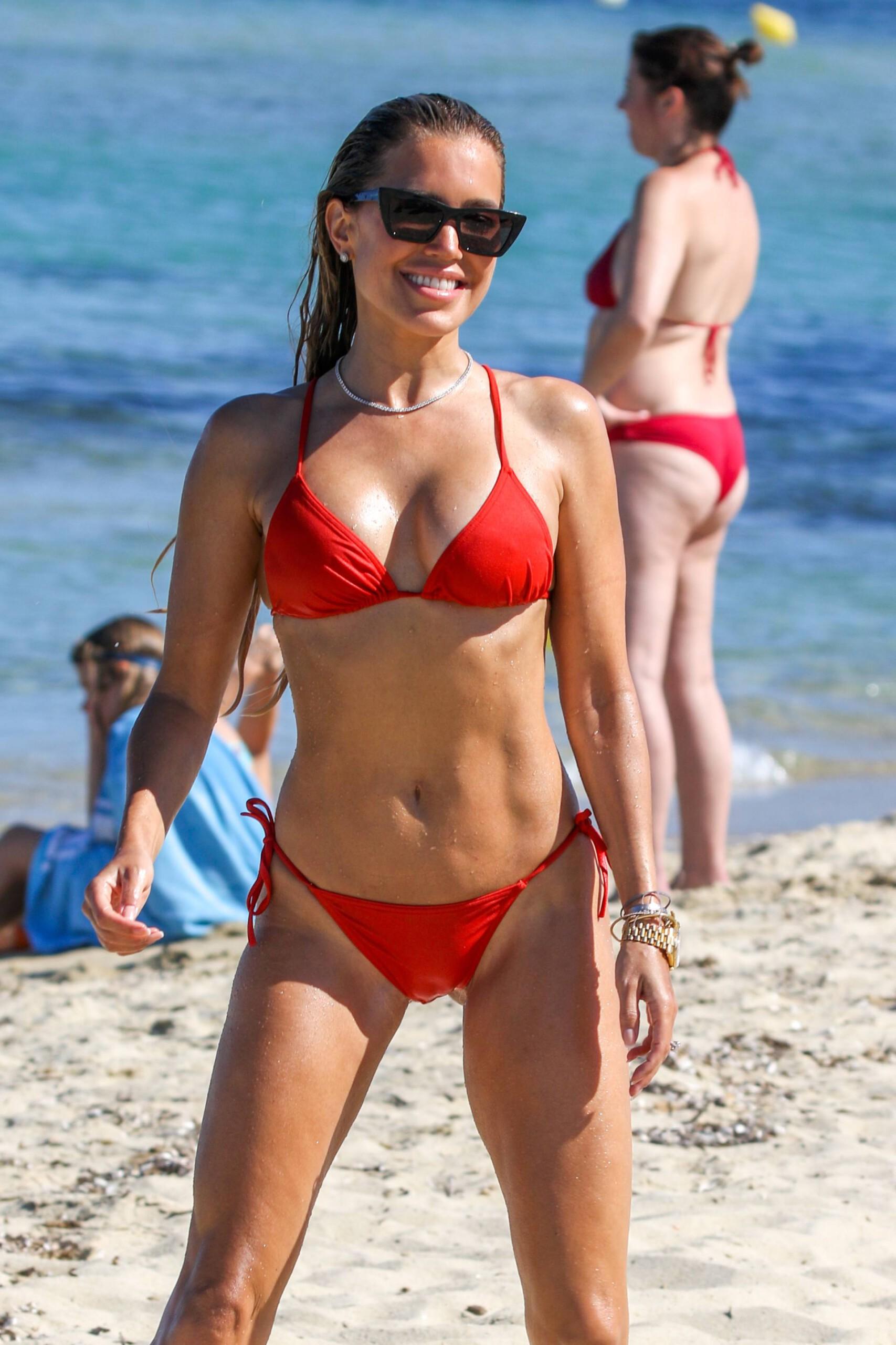 Sylvie Meis – Beautiful Body In Sexy Bikini On The Beach In Saint Tropez 0022