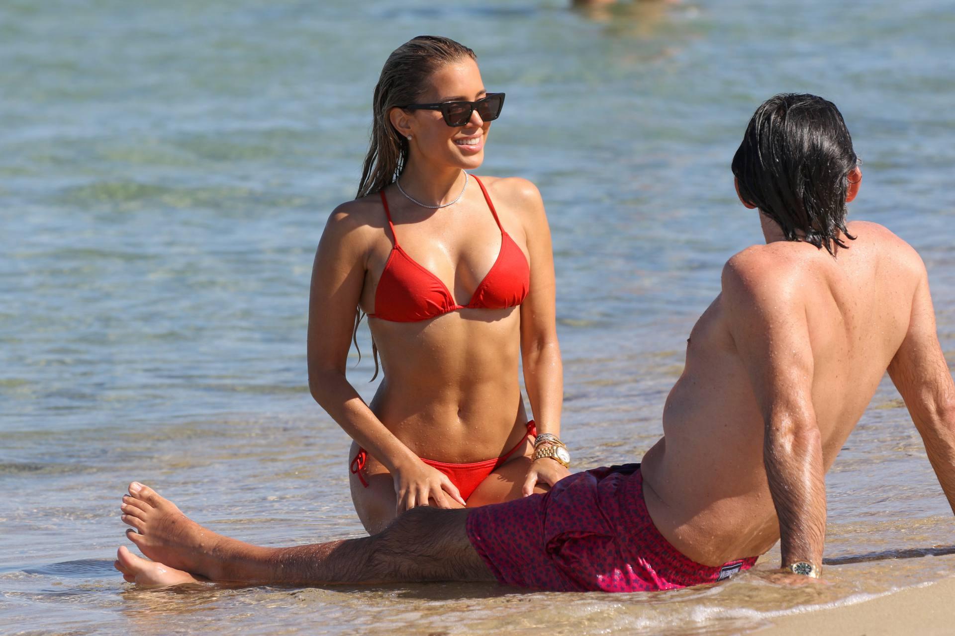 Sylvie Meis – Beautiful Body In Sexy Bikini On The Beach In Saint Tropez 0025