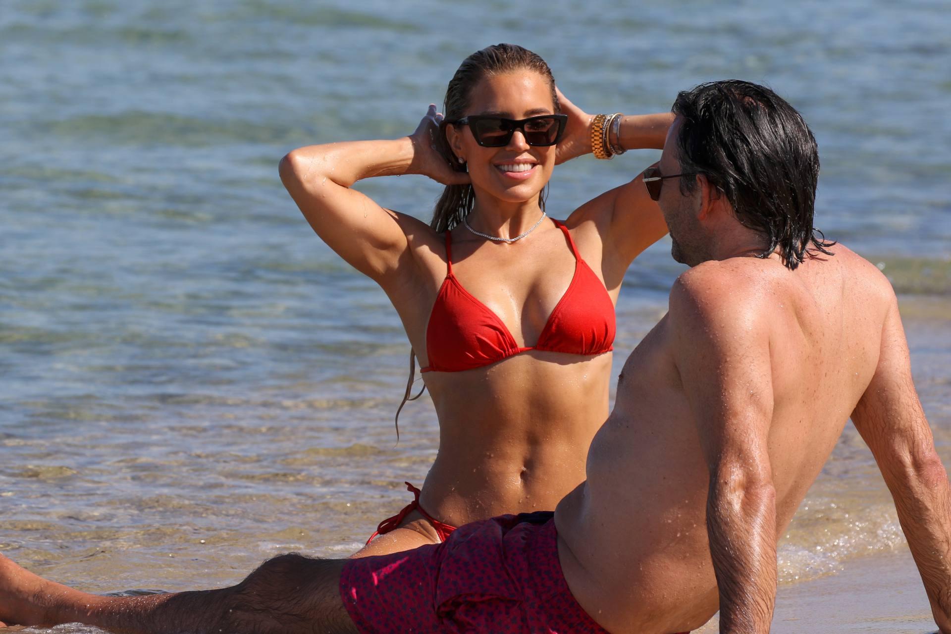 Sylvie Meis – Beautiful Body In Sexy Bikini On The Beach In Saint Tropez 0027