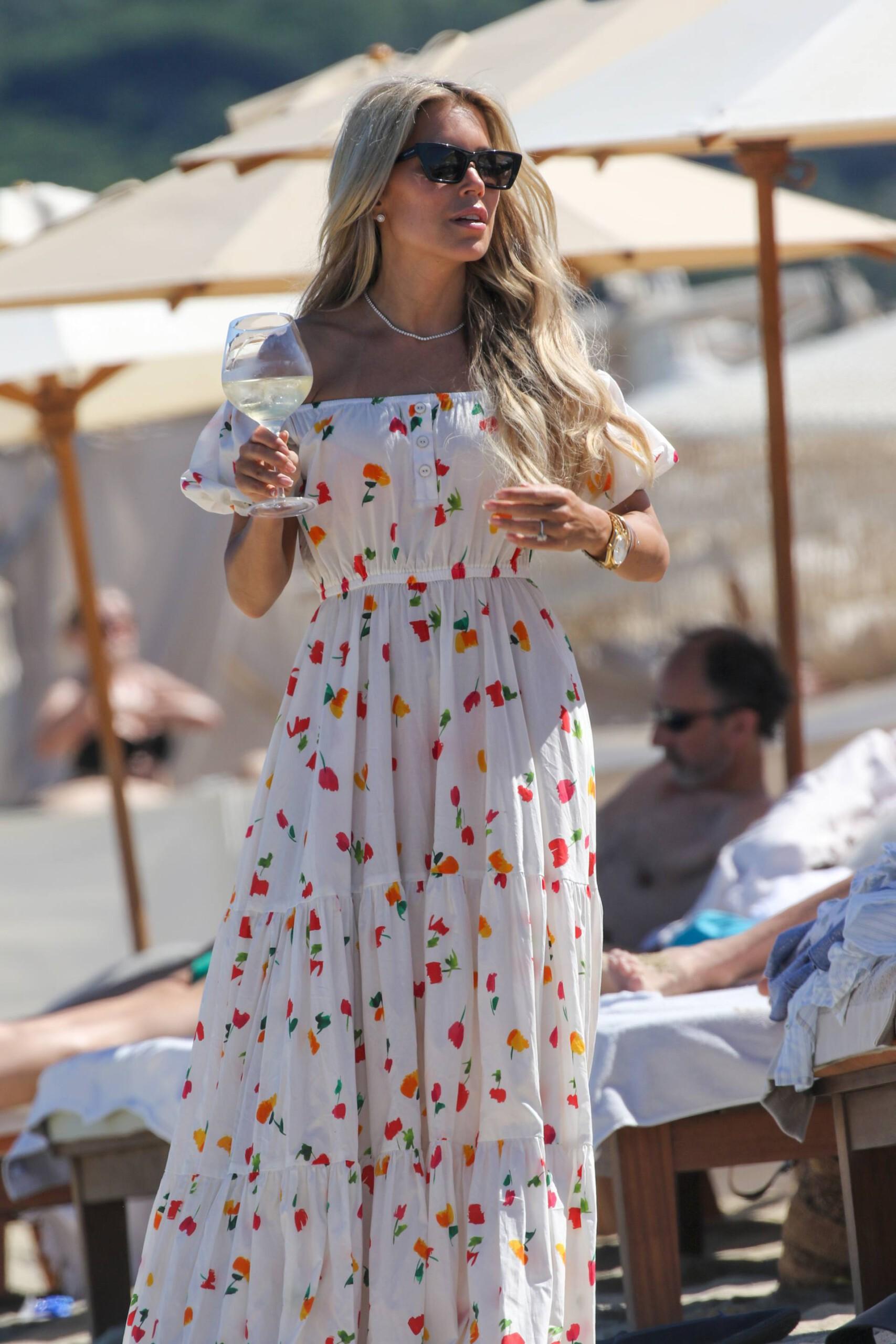 Sylvie Meis – Beautiful Body In Sexy Bikini On The Beach In Saint Tropez 0029