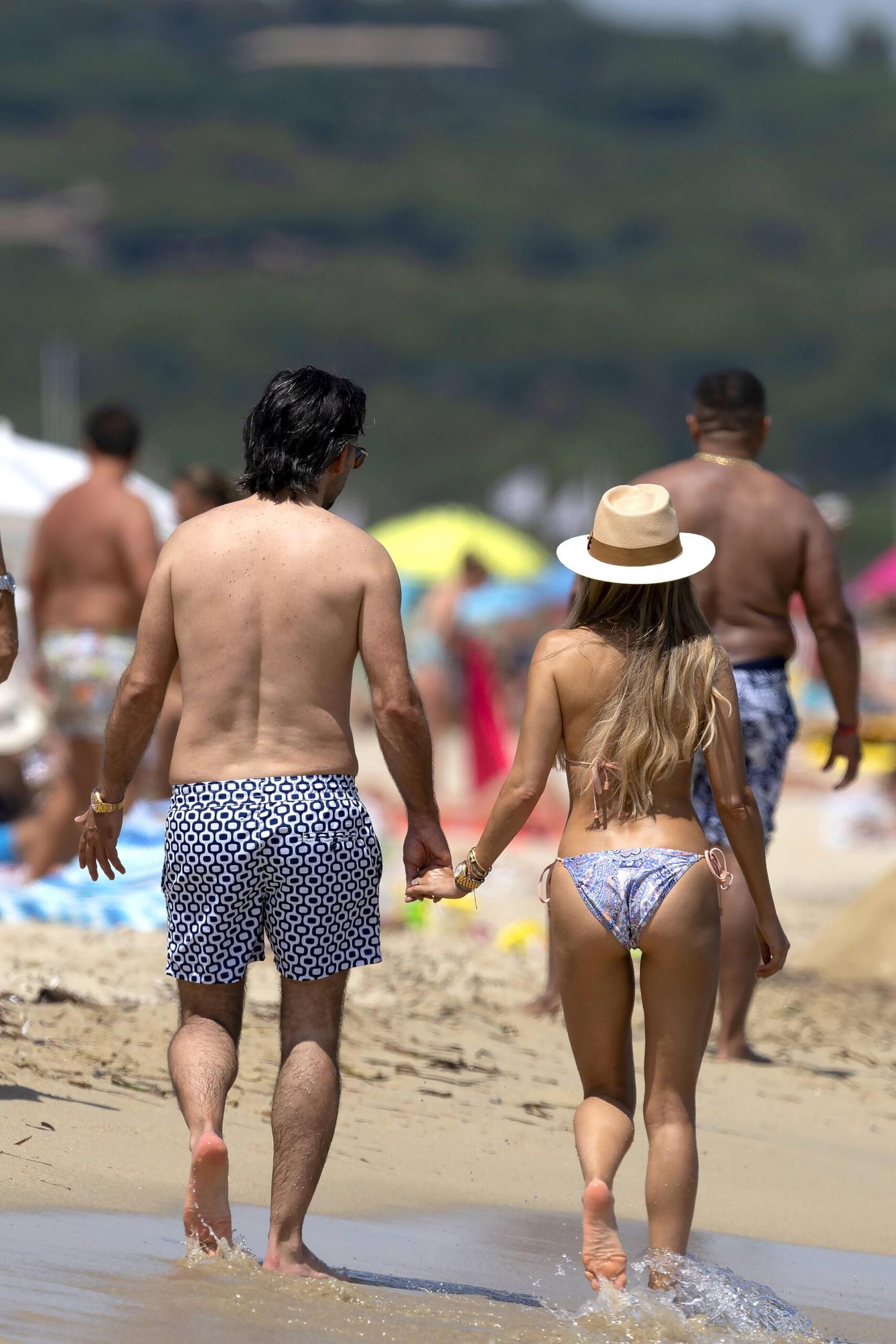 Sylvie Meis – Hot Toned Body In Sexy Bikini On The Beach In Saint Tropez 0012