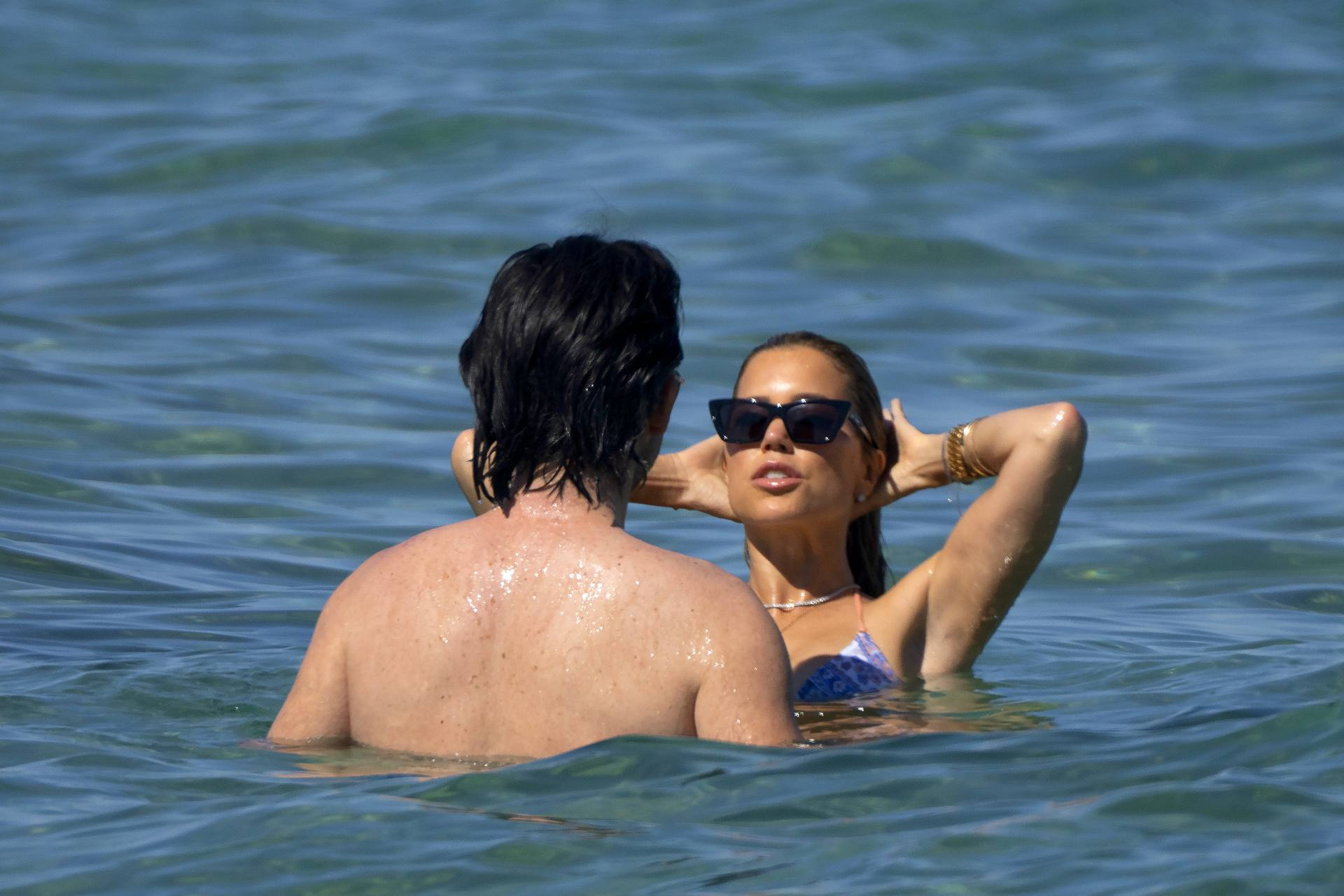 Sylvie Meis – Hot Toned Body In Sexy Bikini On The Beach In Saint Tropez 0016
