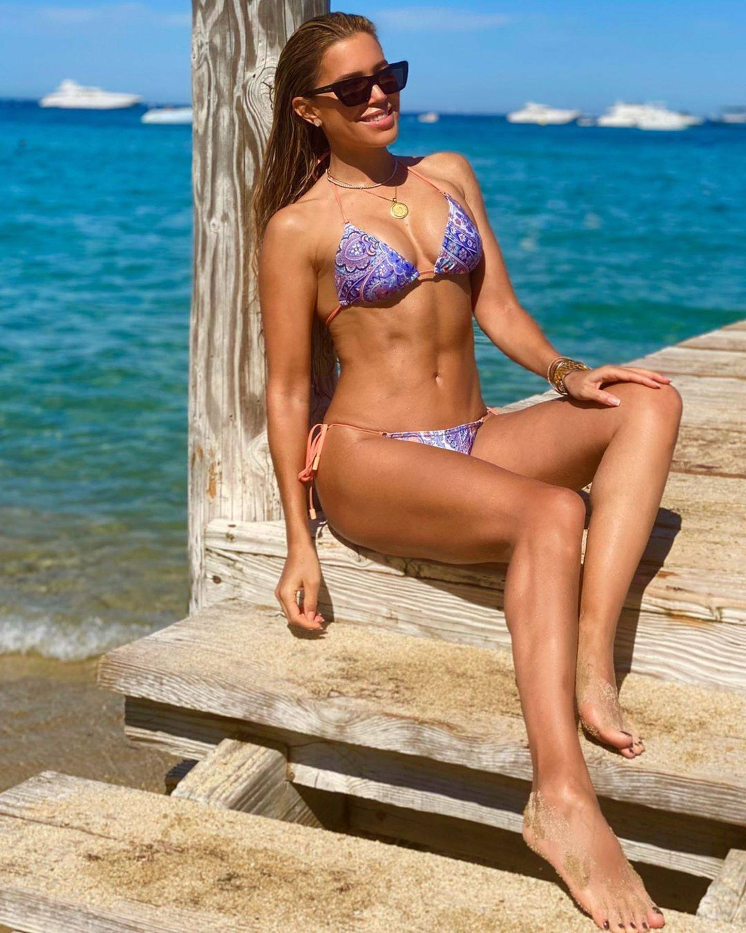 Sylvie Meis – Hot Toned Body In Sexy Bikini On The Beach In Saint Tropez 0018