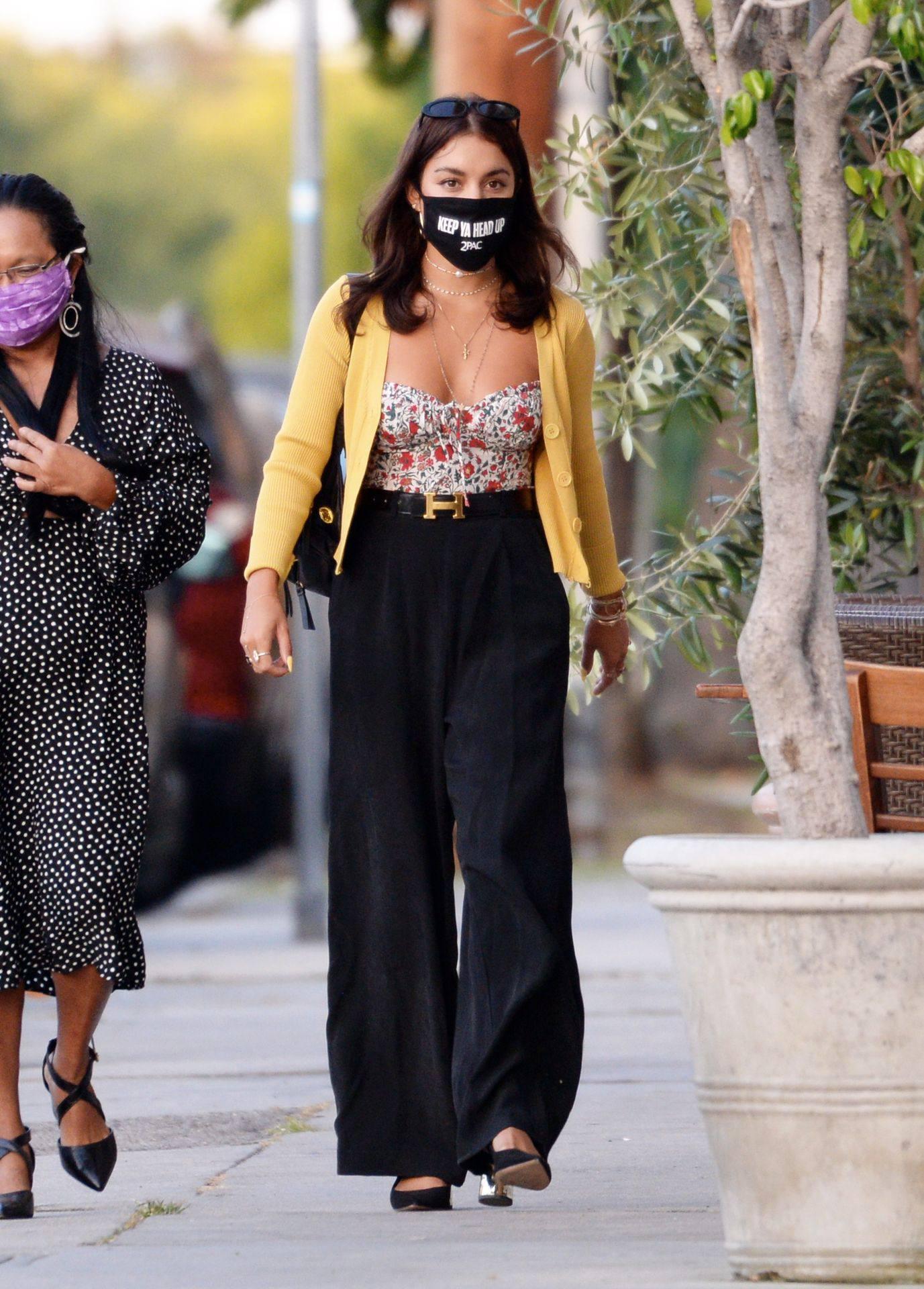 Vanessa Hudgens – Sexy Boobs And Ass At Farfalla In Los Angeles 0002