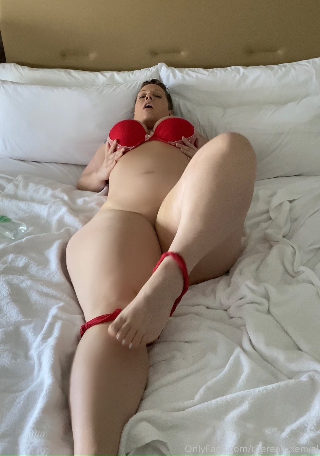 Therealvixenval Curvesofanna Onlyfans Nudes Leaks 0034