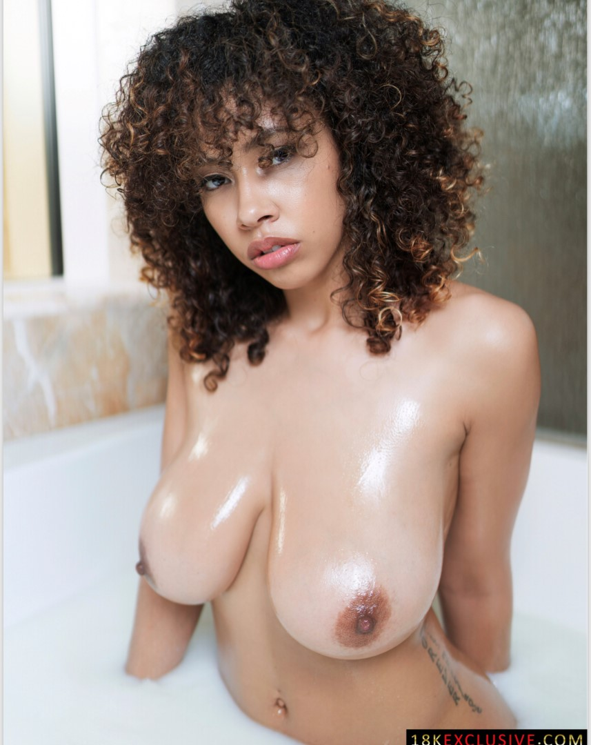 Bri Drake Nude Leaked Instagram Model 0007