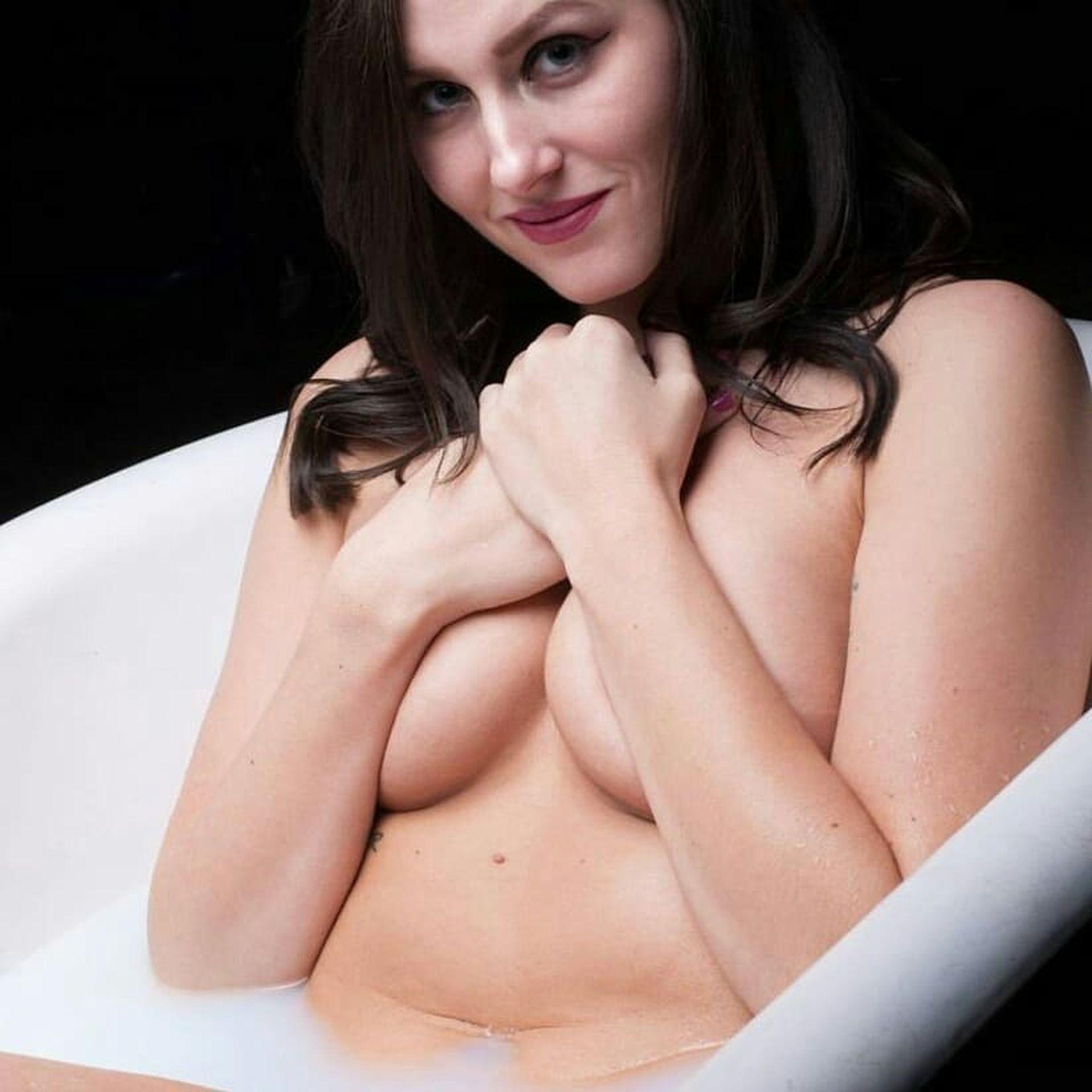 Ashtyn Sommer Nude 0006