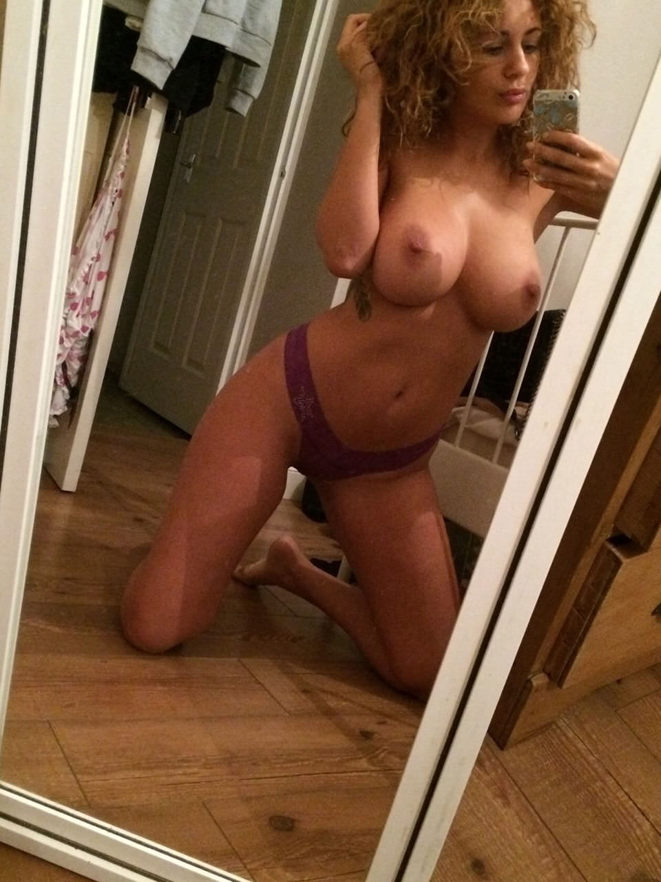 Holly Peers Nude Photos 0026