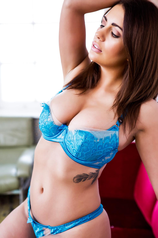 Holly Peers Nude Photos 0074