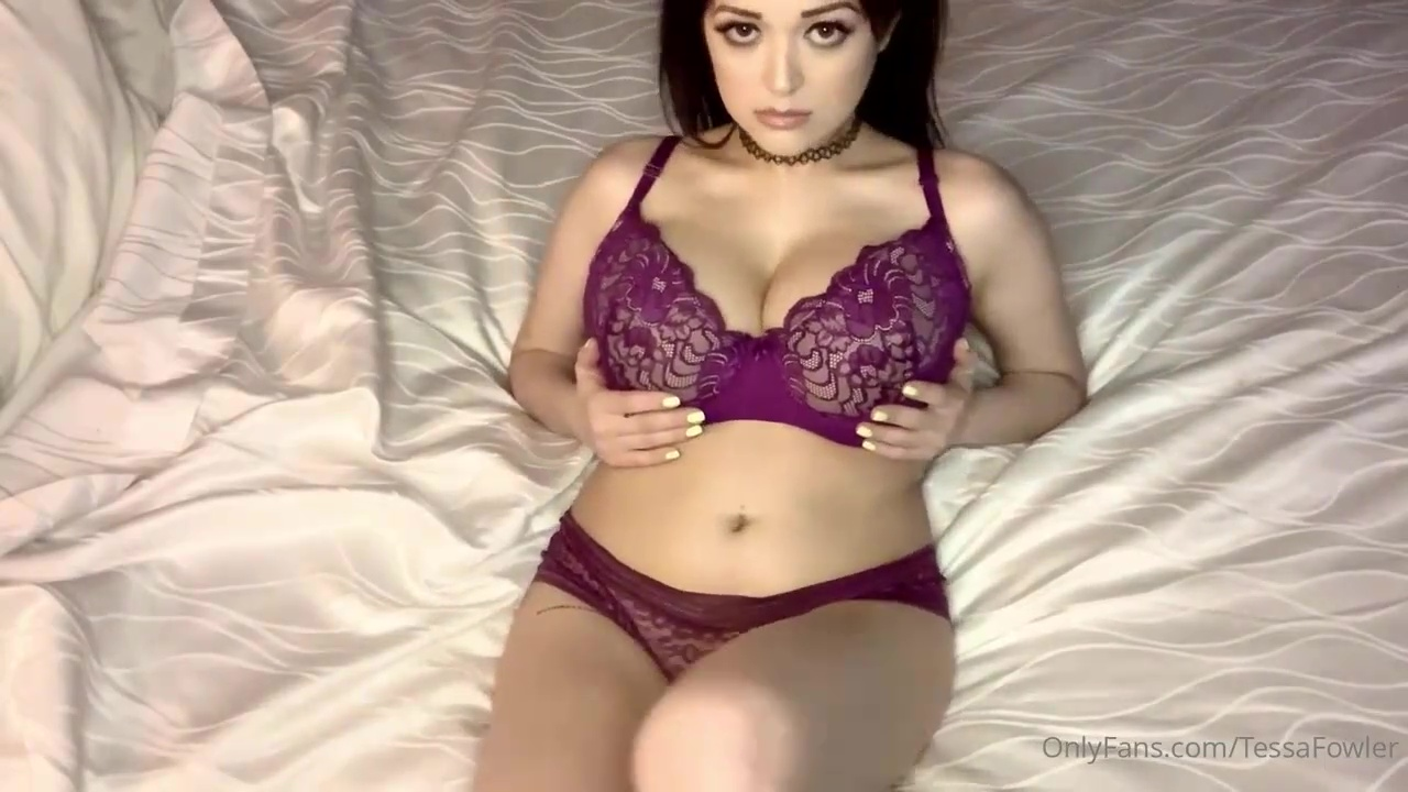 Onlyfans Tessa Fowler Nude In Bed Video