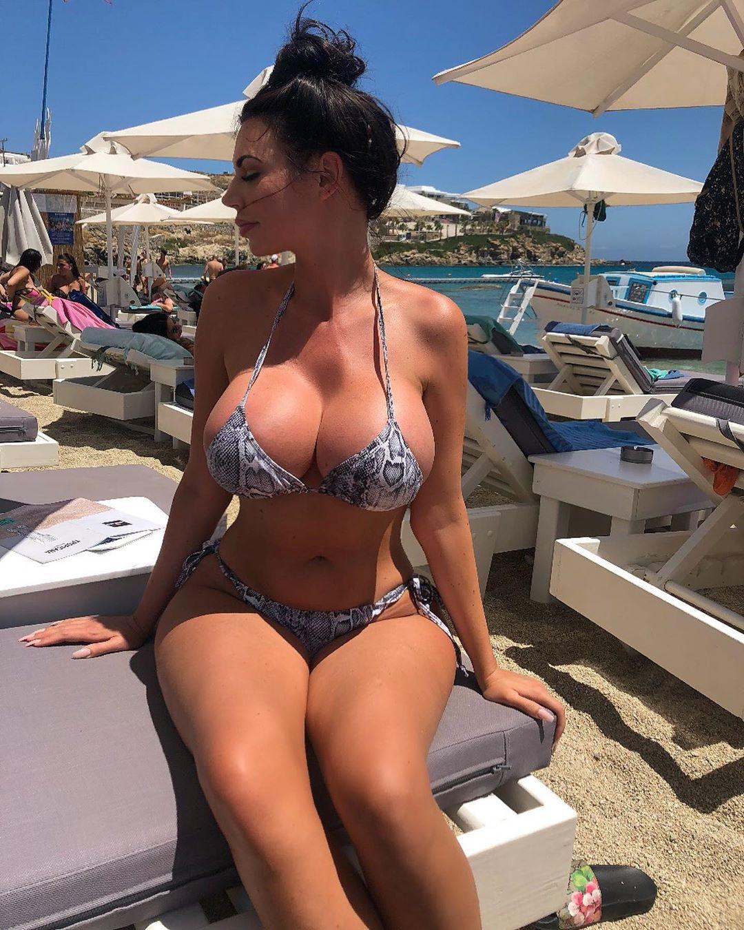 Yvonne Bar Nude & Sex Tape Onlyfans! 0003