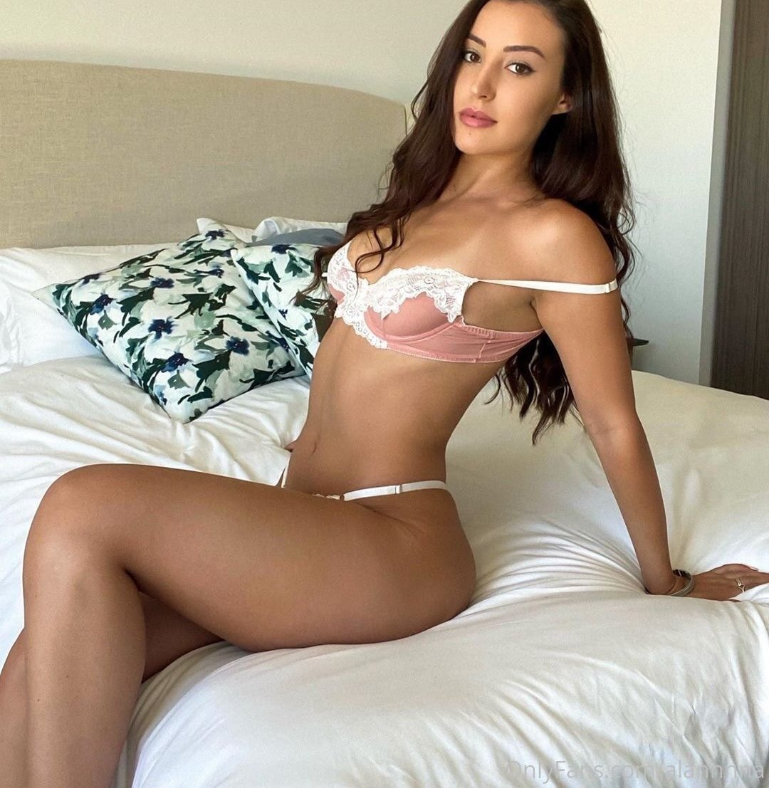 Alanna Dergan Alannnna Onlyfans Nudes Leaks 0001