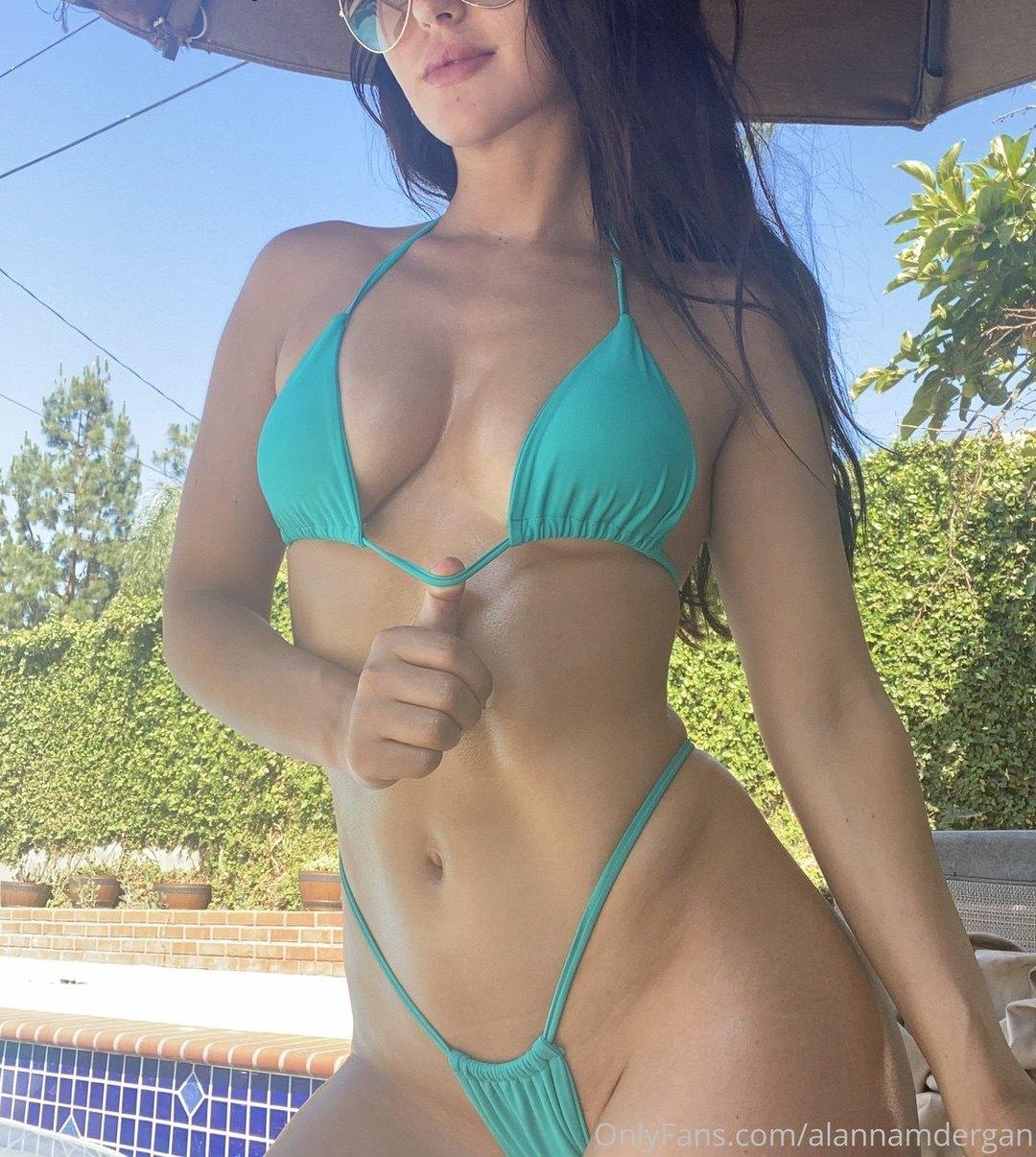 Alanna Dergan Alannnna Onlyfans Nudes Leaks 0051