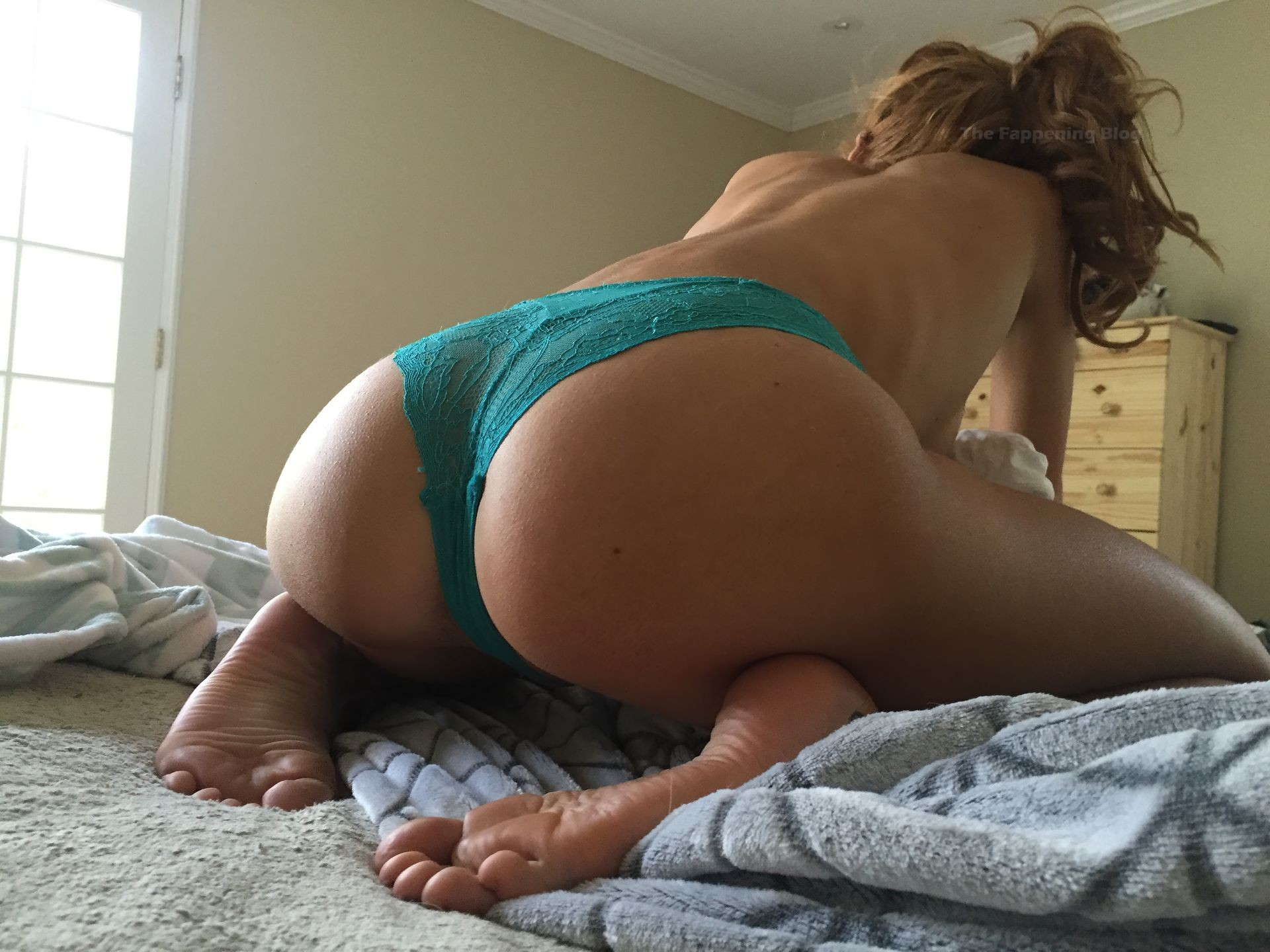 Bella Thorne Leaked The Fappening 0003