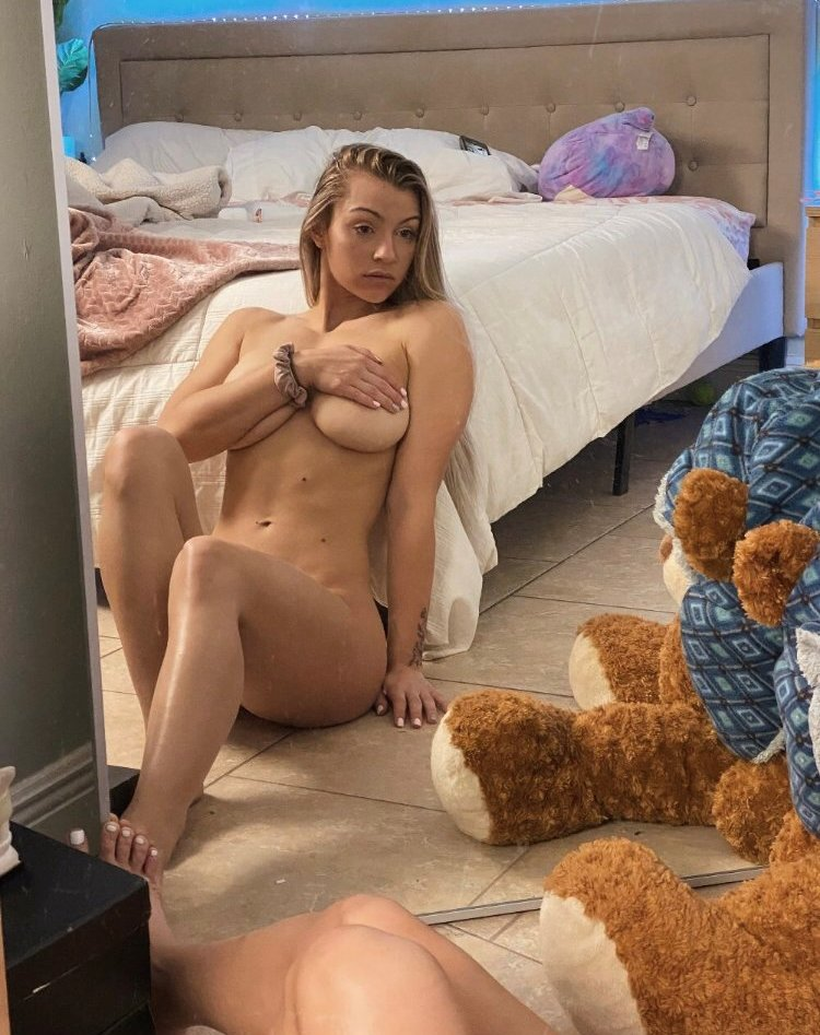 Brittney Therealbrittfit Onlyfans Nude Leaks 0031