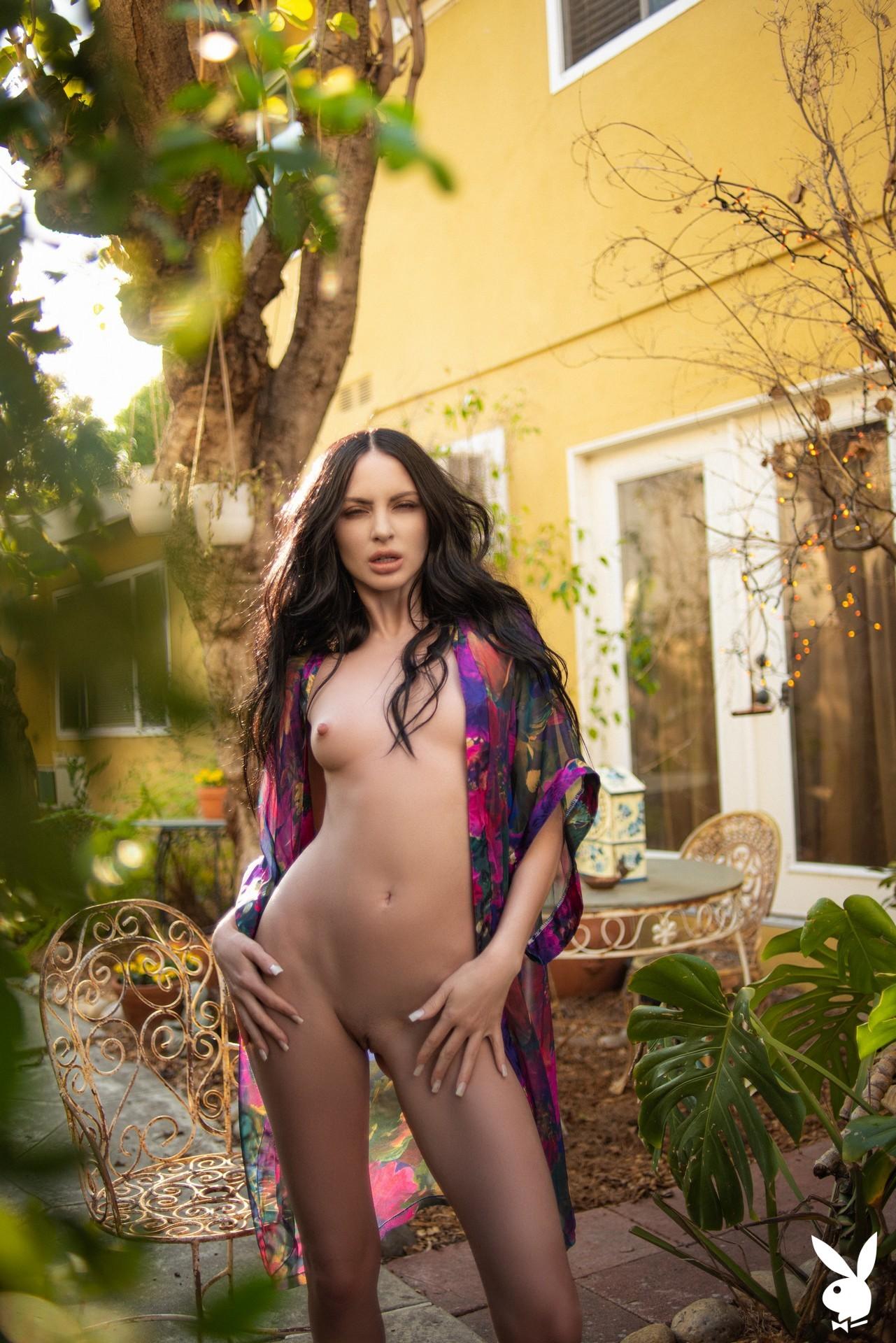 Carissa White In Glamour Garden Playboy Plus (16)