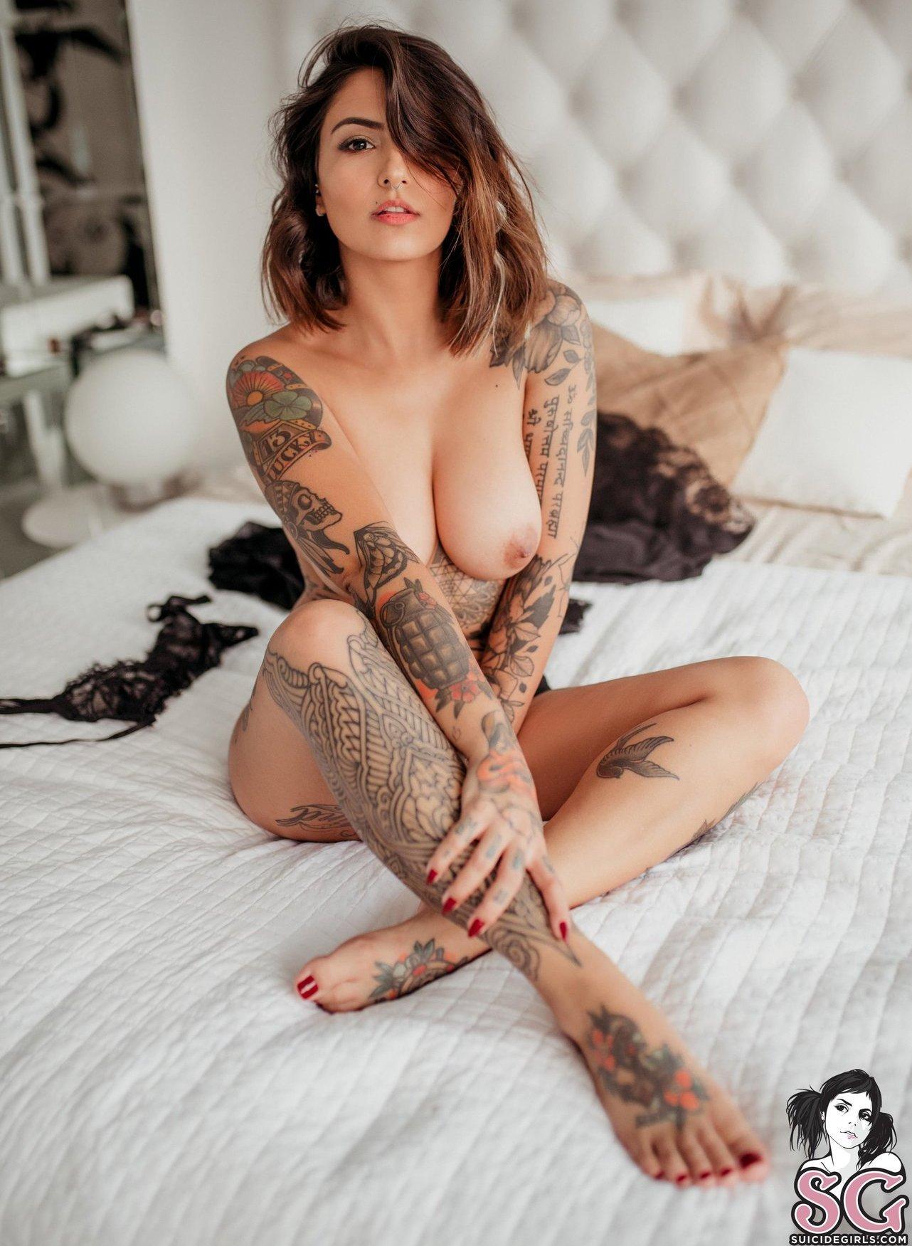 Cau Fertonani Cauuution Onlyfans Nude Leaks 0001