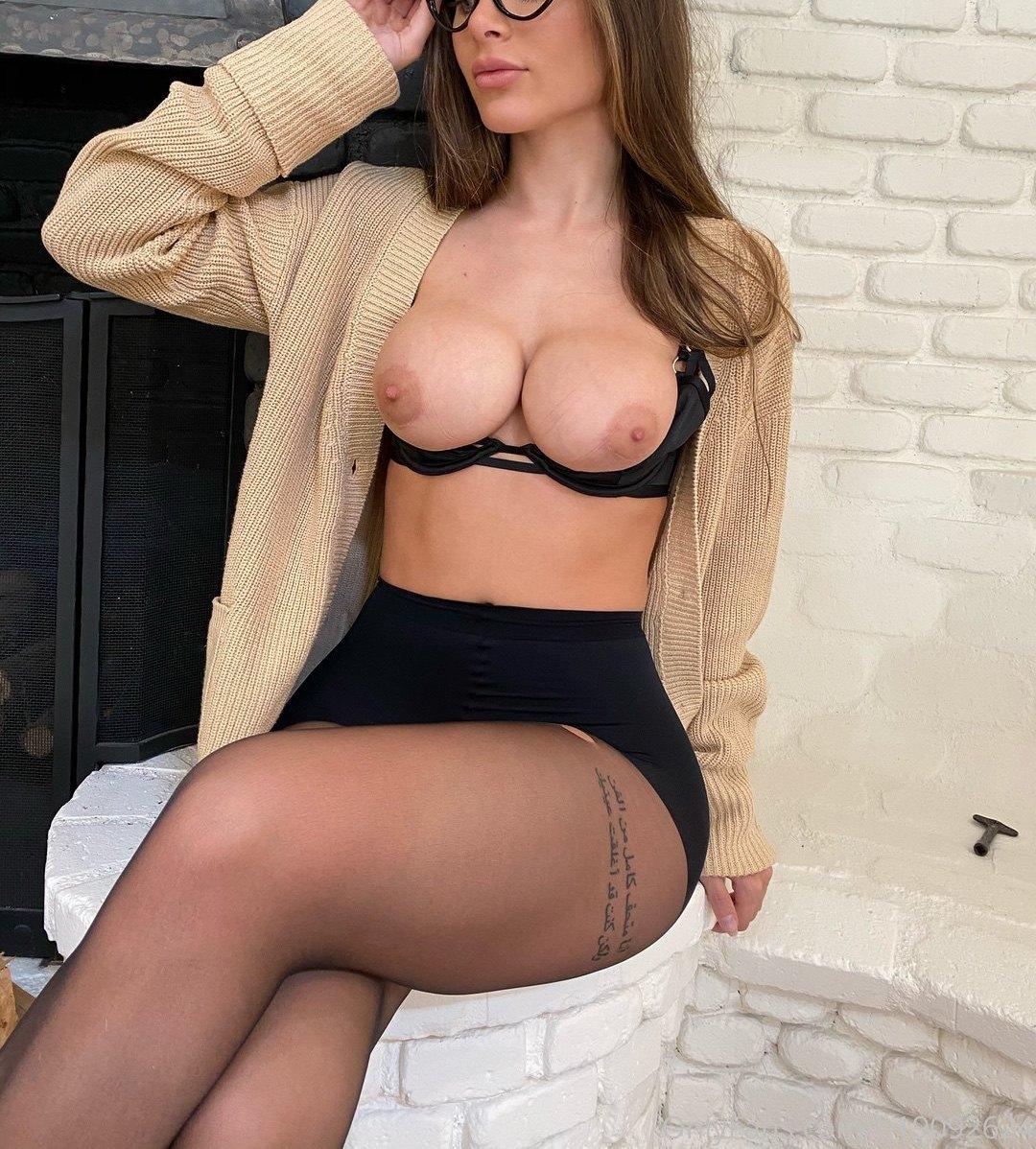 Lana Rhoades Lanarhoadesx3 Onlyfans Nudes Leaks 0013