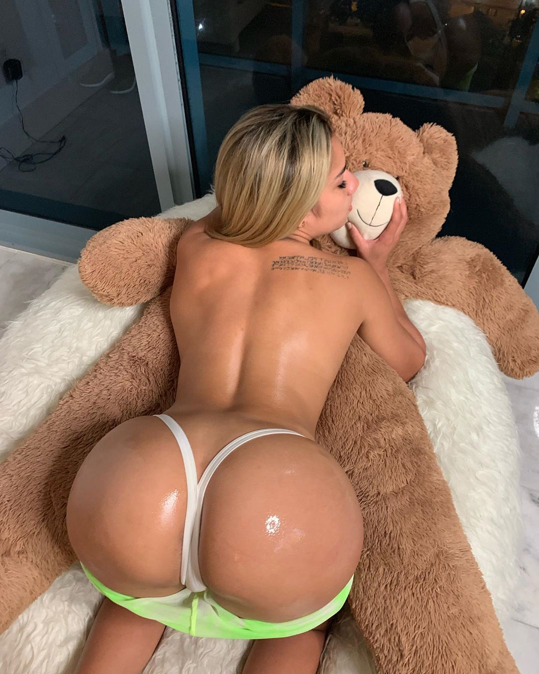 Thechantal Nude The Chantal Mia Onlyfans Leaked! 0026